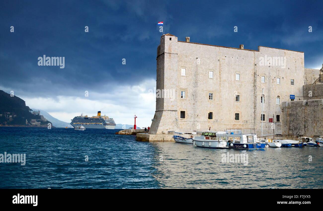 Dubrovnik, St John's Fortress and harbor, Croatia - Stock Image