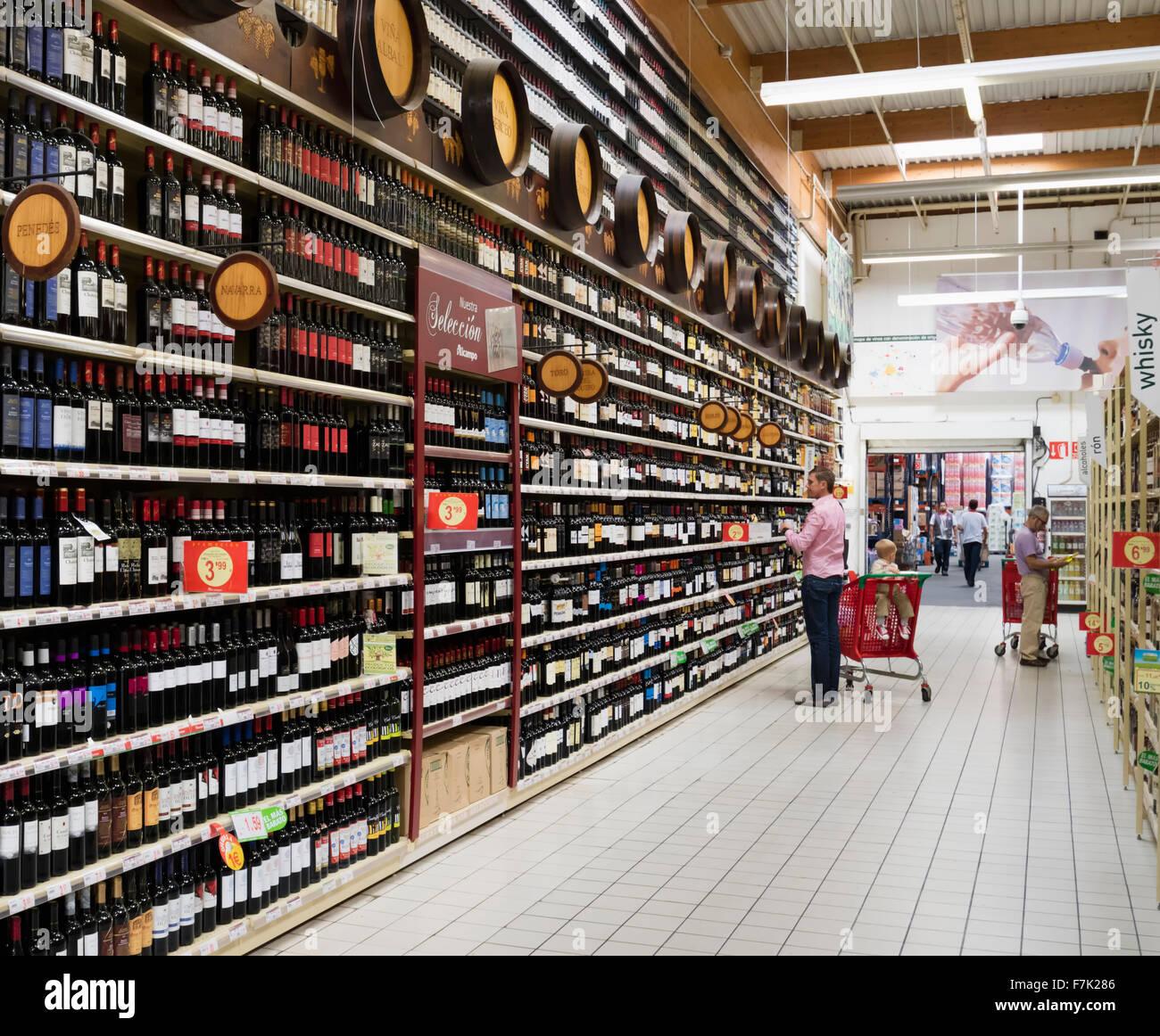 Wine selection at Al Campo supermarket at La Cañada shopping centre, Marbella, Costa del Sol, Malaga Province, - Stock Image
