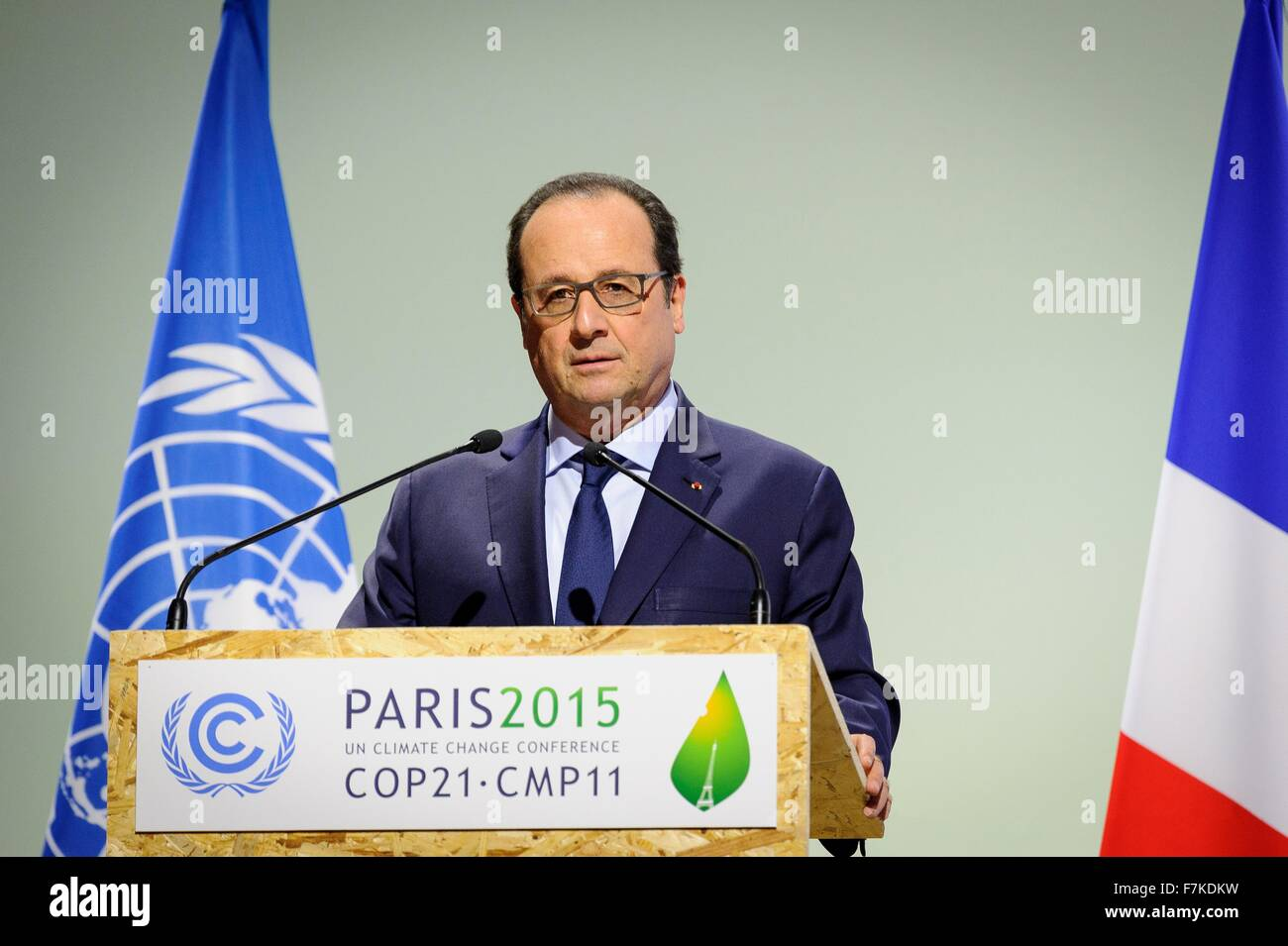 Le Bourget, France. 30th November, 2015. French President Francois Hollande address the opening plenary session - Stock Image