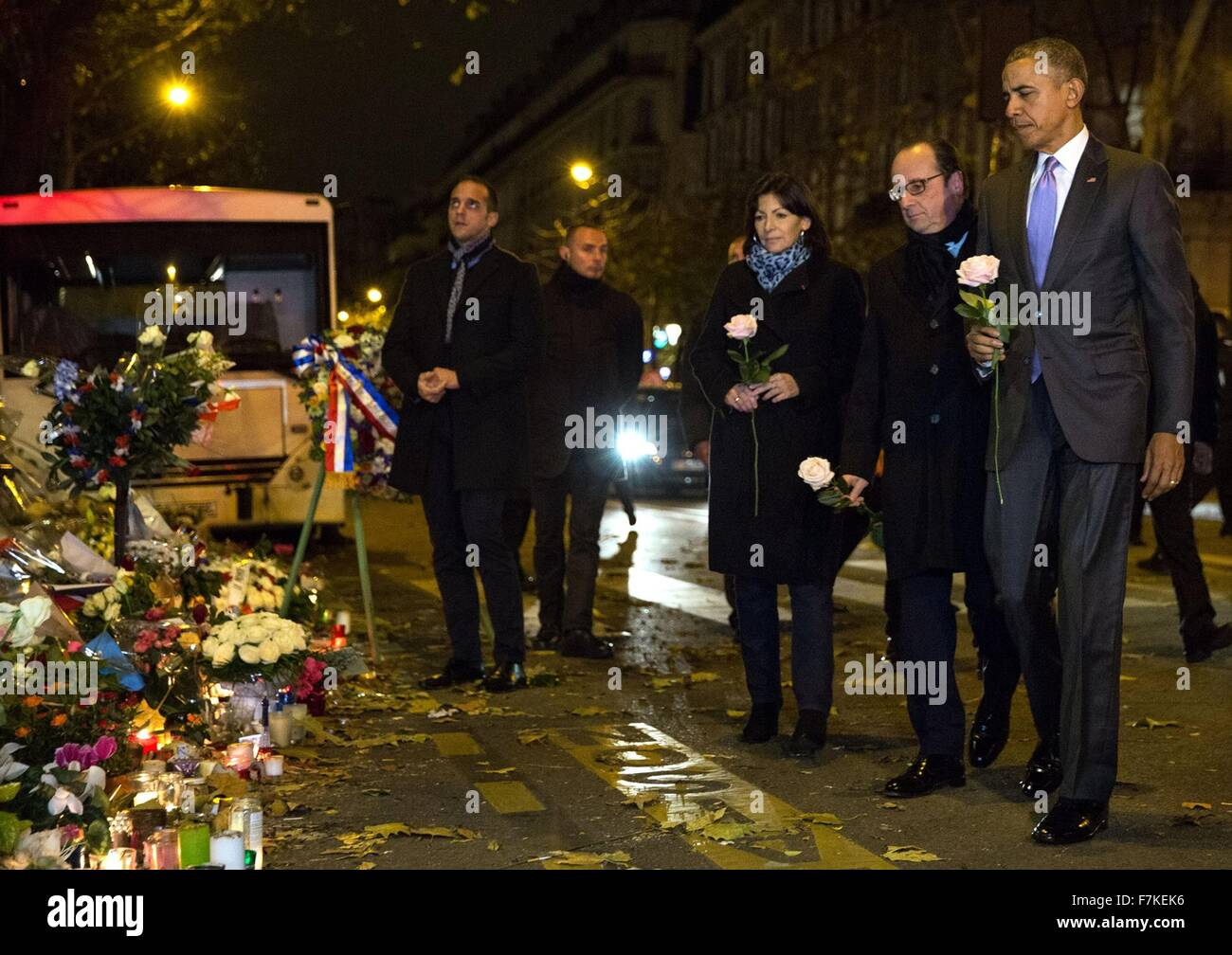U.S. President Barack Obama along with French President Francois Hollande and Paris Mayor Anne Hidalgo prepare to Stock Photo
