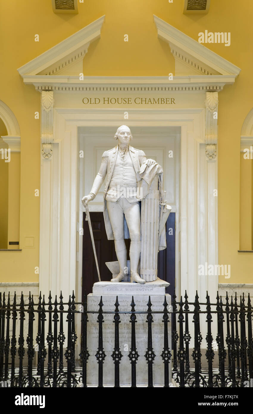 Original life-size statue of George Washington by Jean-Antoine Houdon in restored Virginia State Capitol Rotunda, - Stock Image