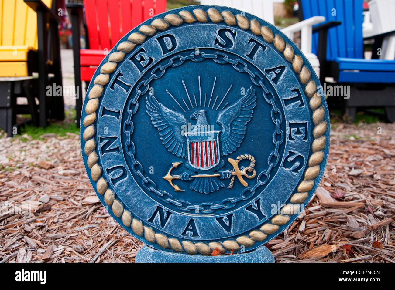 Circhular symbol and logo for U.S. Navy, roadside art found in Grafton, IL. - Stock Image