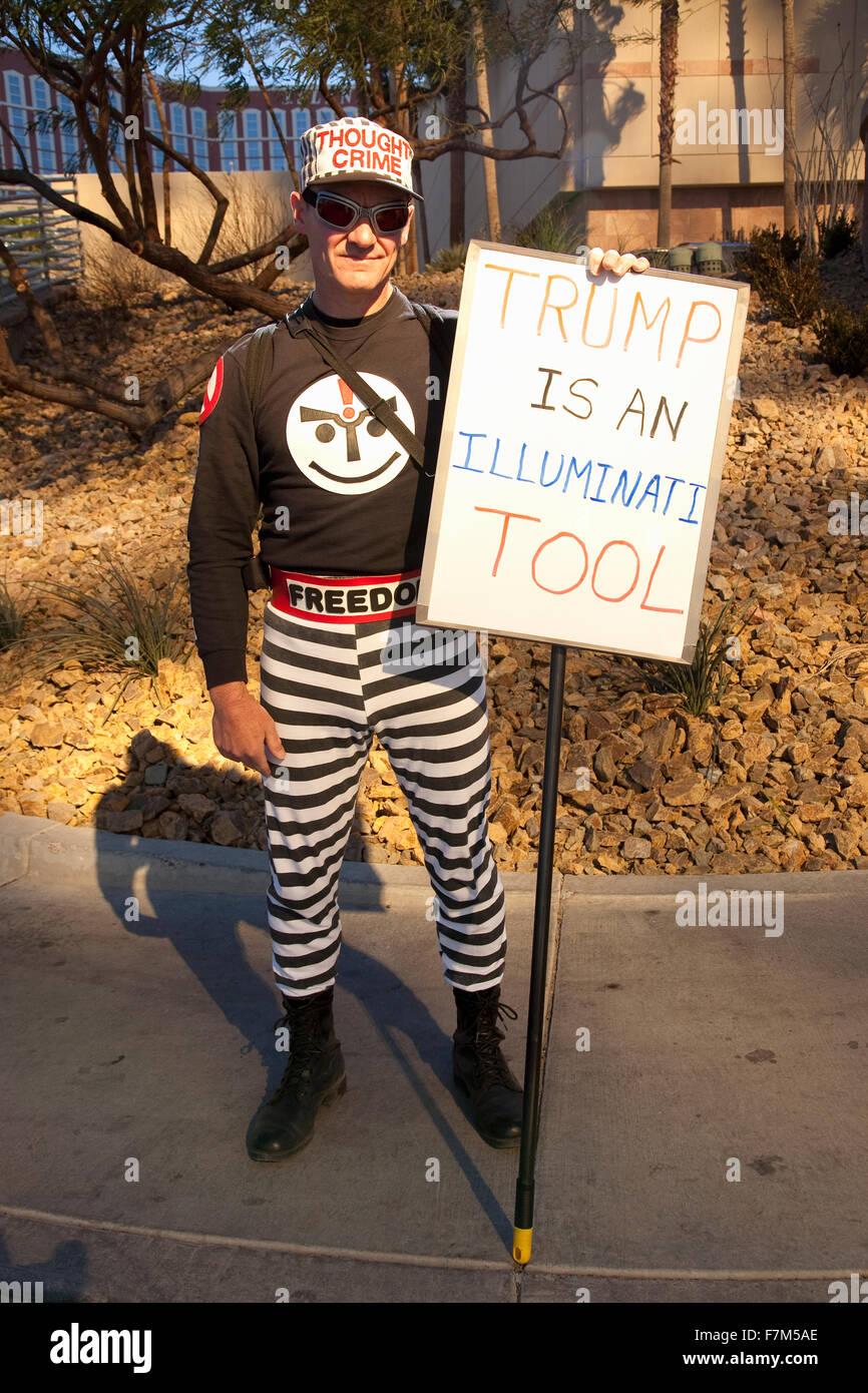 Protestor claims that Donald Trump is a Illuminati Tool, Trump International Hotel, February 2, 2012, after Trump - Stock Image