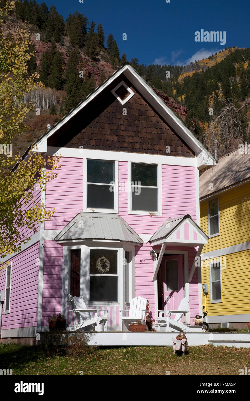 Pink Victorian Home in Telluride, CO - Stock Image
