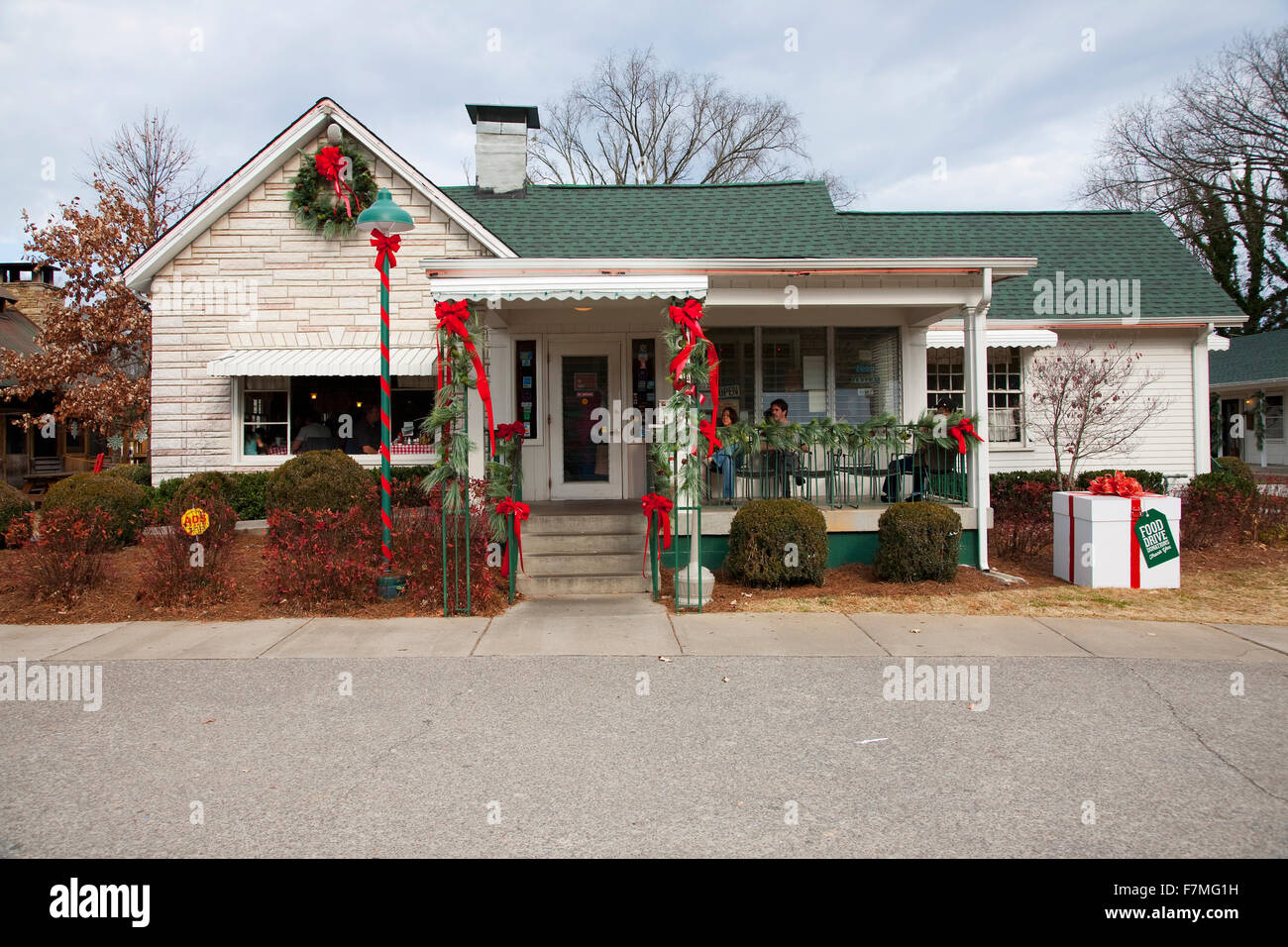 Café Loveless Motel restaurant serves southern food, hot biscuits and country ham, outside Nashville, Tennessee - Stock Image