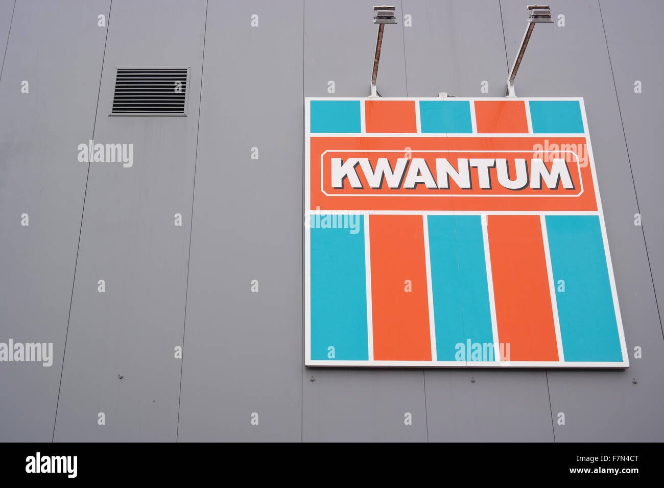 Logo of Kwantum, a brand of Homefashion Group B.V part of the Macintosh Retail Group. - Stock Image