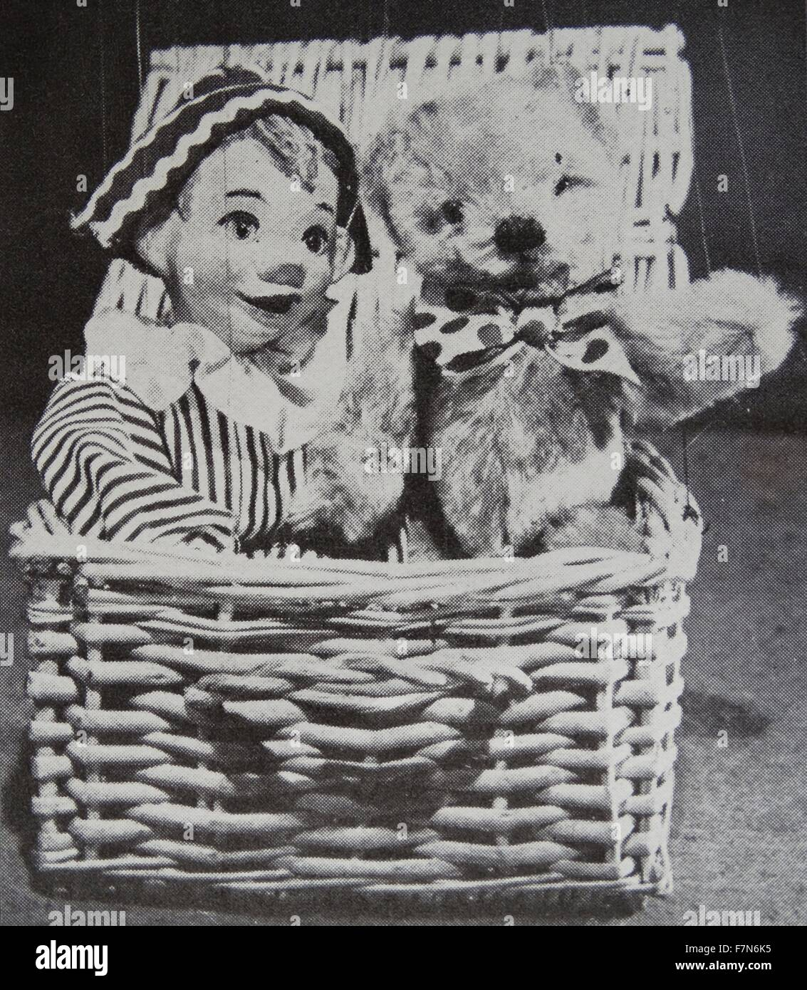 A hamper used as a 'prop' in an episode of Andy Pandy - Stock Image