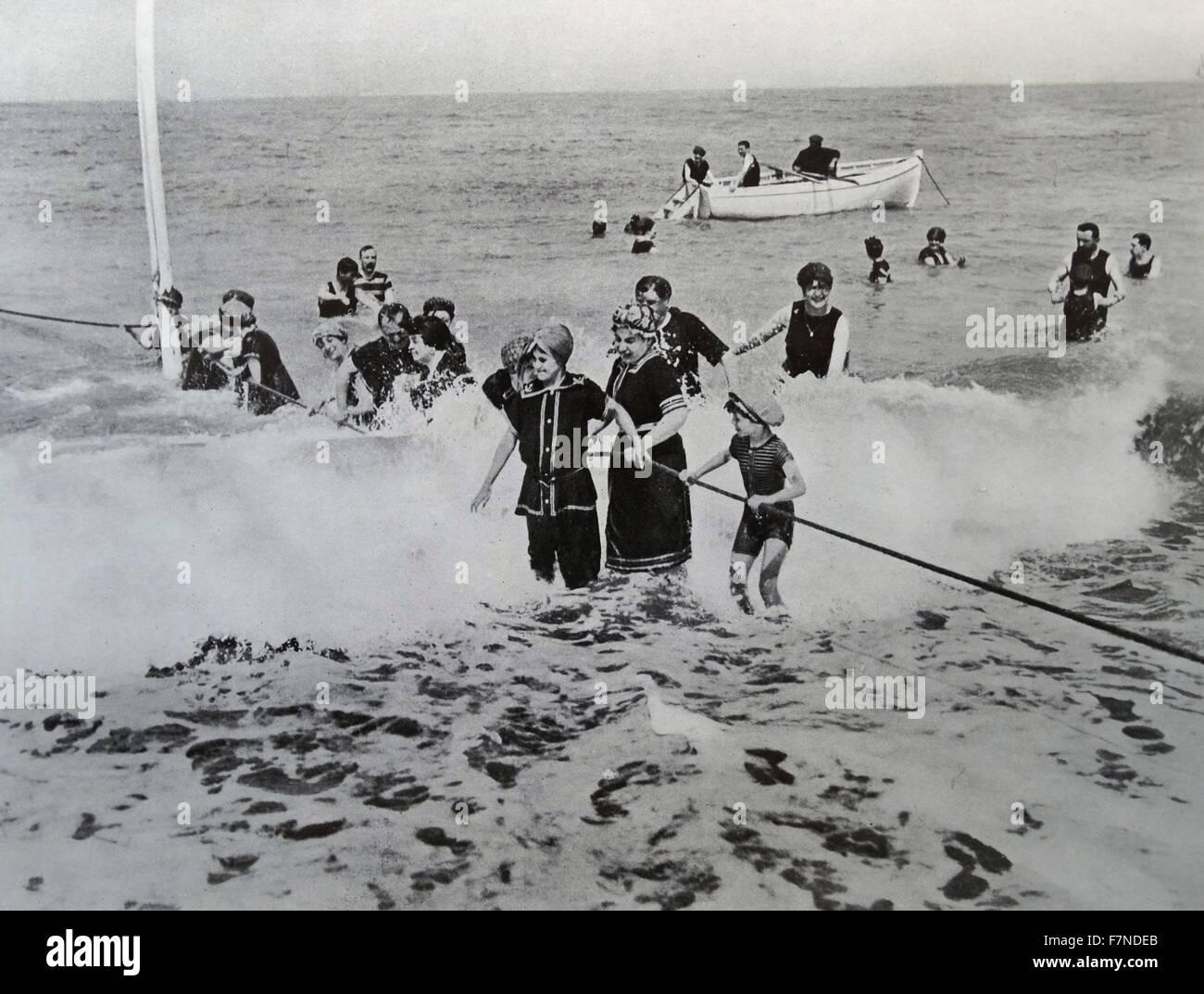 Bathing in Ostend, belgium 1914 - Stock Image