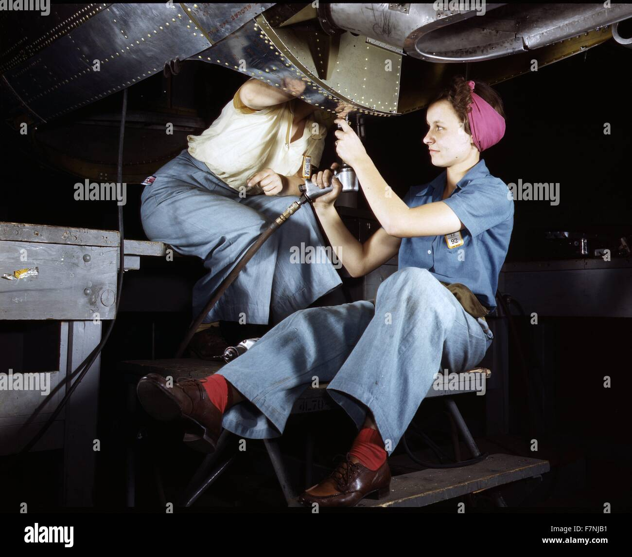 World War Two: Women are trained as engine mechanics in thorough Douglas training methofs, Douglas Aircraft Company, - Stock Image