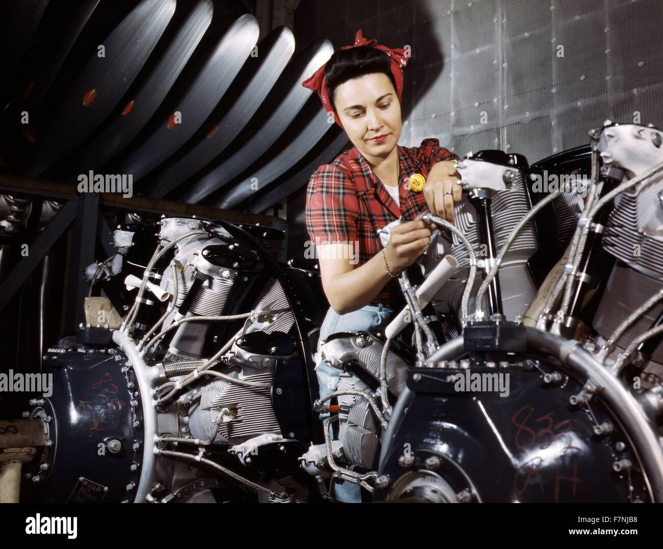 World War Two: Women are trained as engine mechanics in thorough Douglas training methofs, North American Aviation, - Stock Image