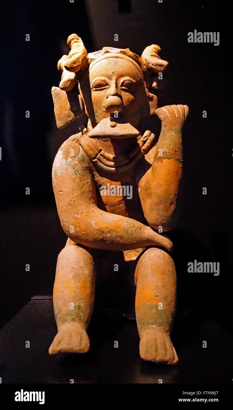 Pre-Colombian head of a statue of a priest, from Ecuador. Dated 500 AD - Stock Image