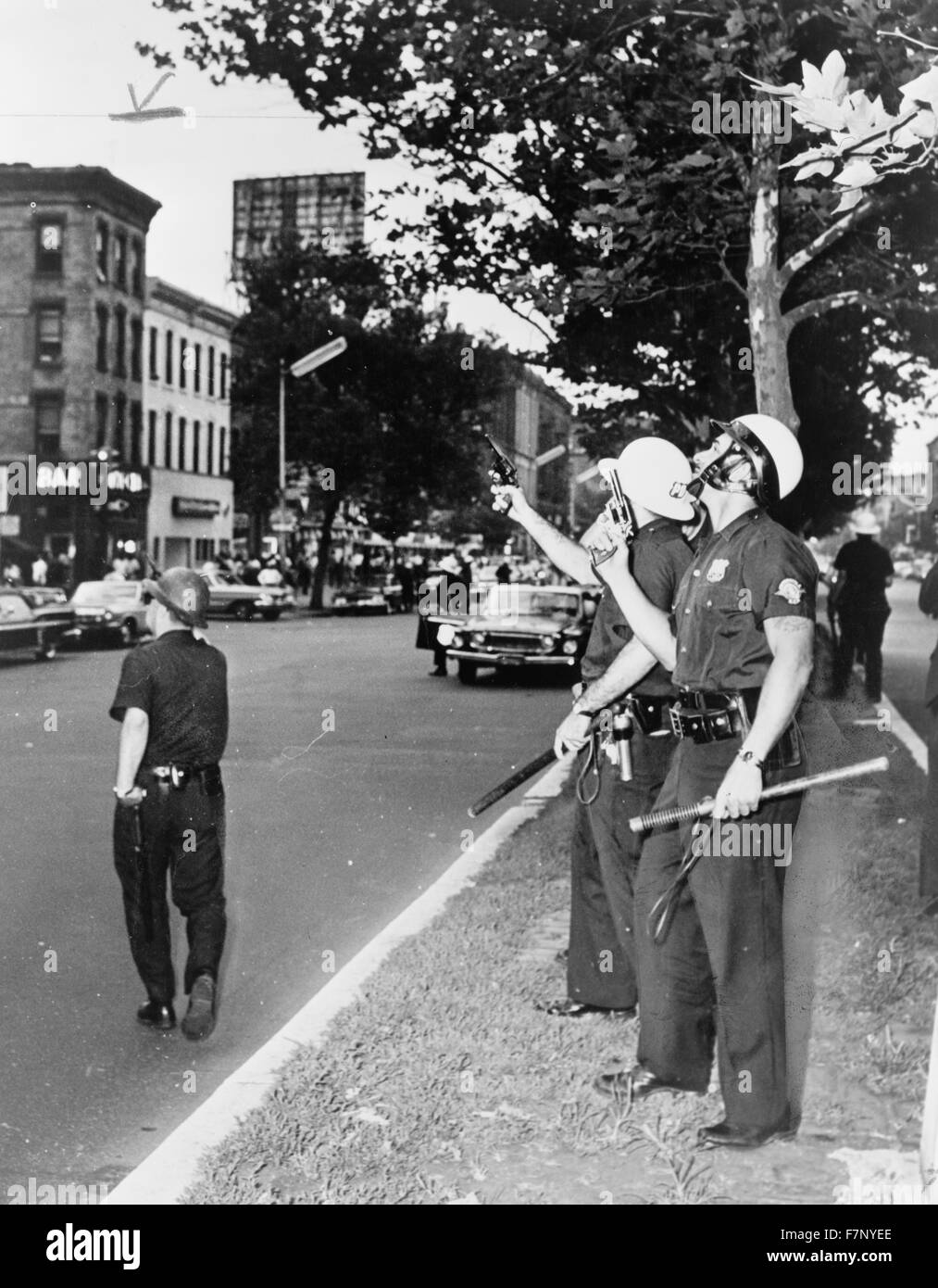 Police in Harlem, New York, USA, during the July 1964 race riots - Stock Image