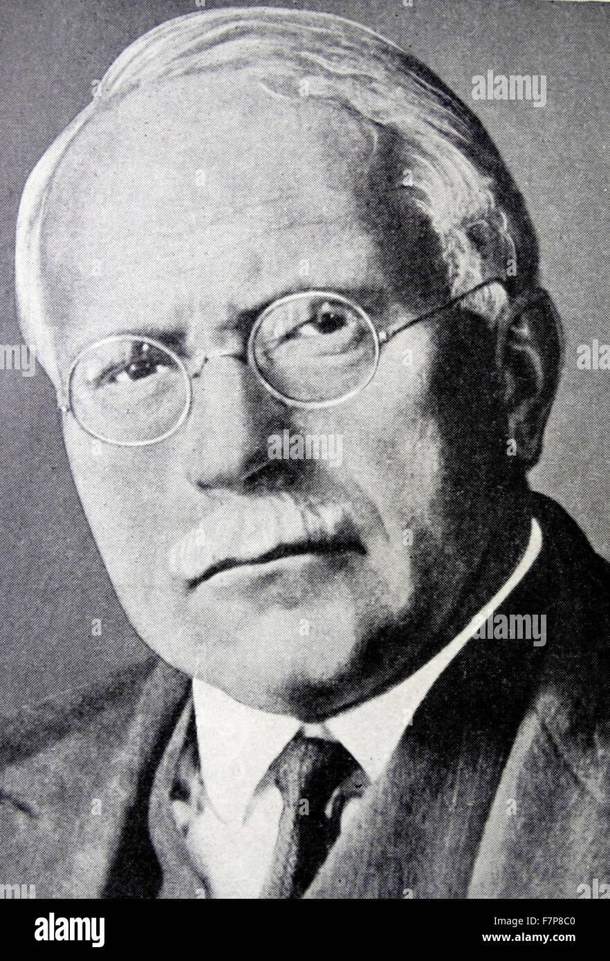 DR. CARL G. JUNG.Born in Switzerland in 1875, founded school of Psycho -therapy at Zurich. Once a disciple of Freud,he - Stock Image