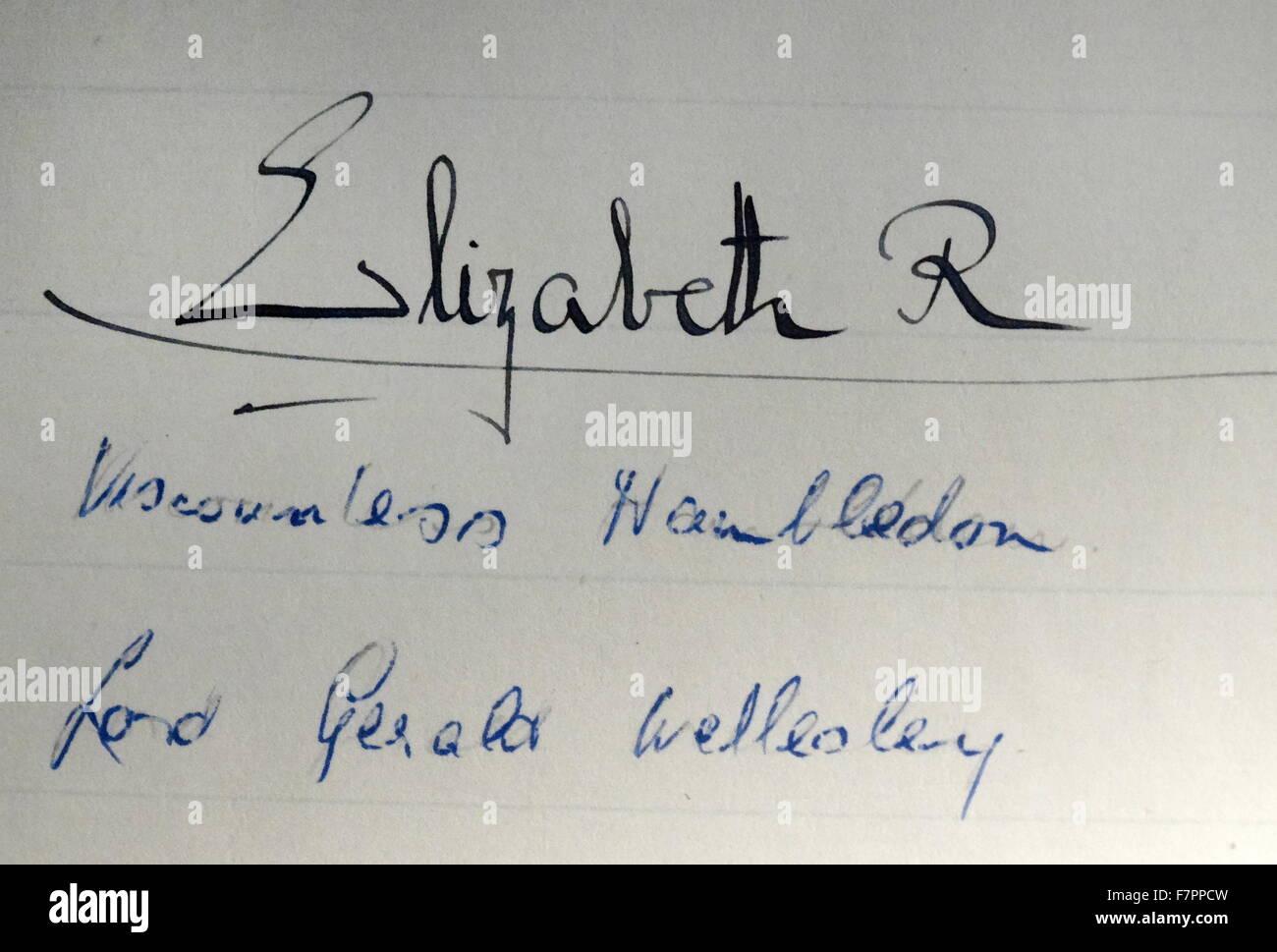 Unterschrift Queen Elizabeth