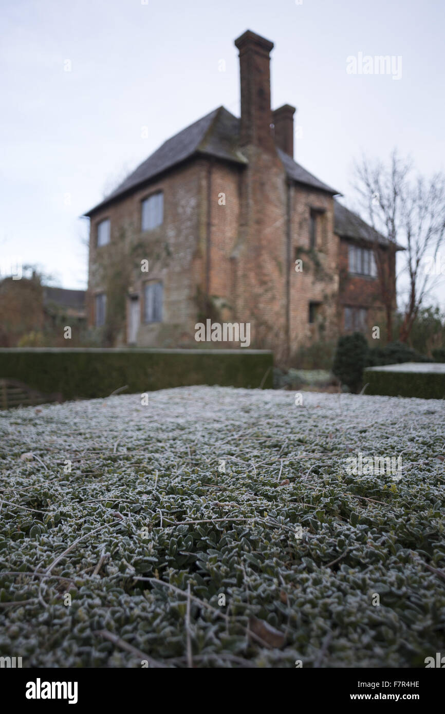 The South Cottage, seen on a winter's day, in the gardens at Sissinghurst Castle, Kent. Vita Sackville-West - Stock Image
