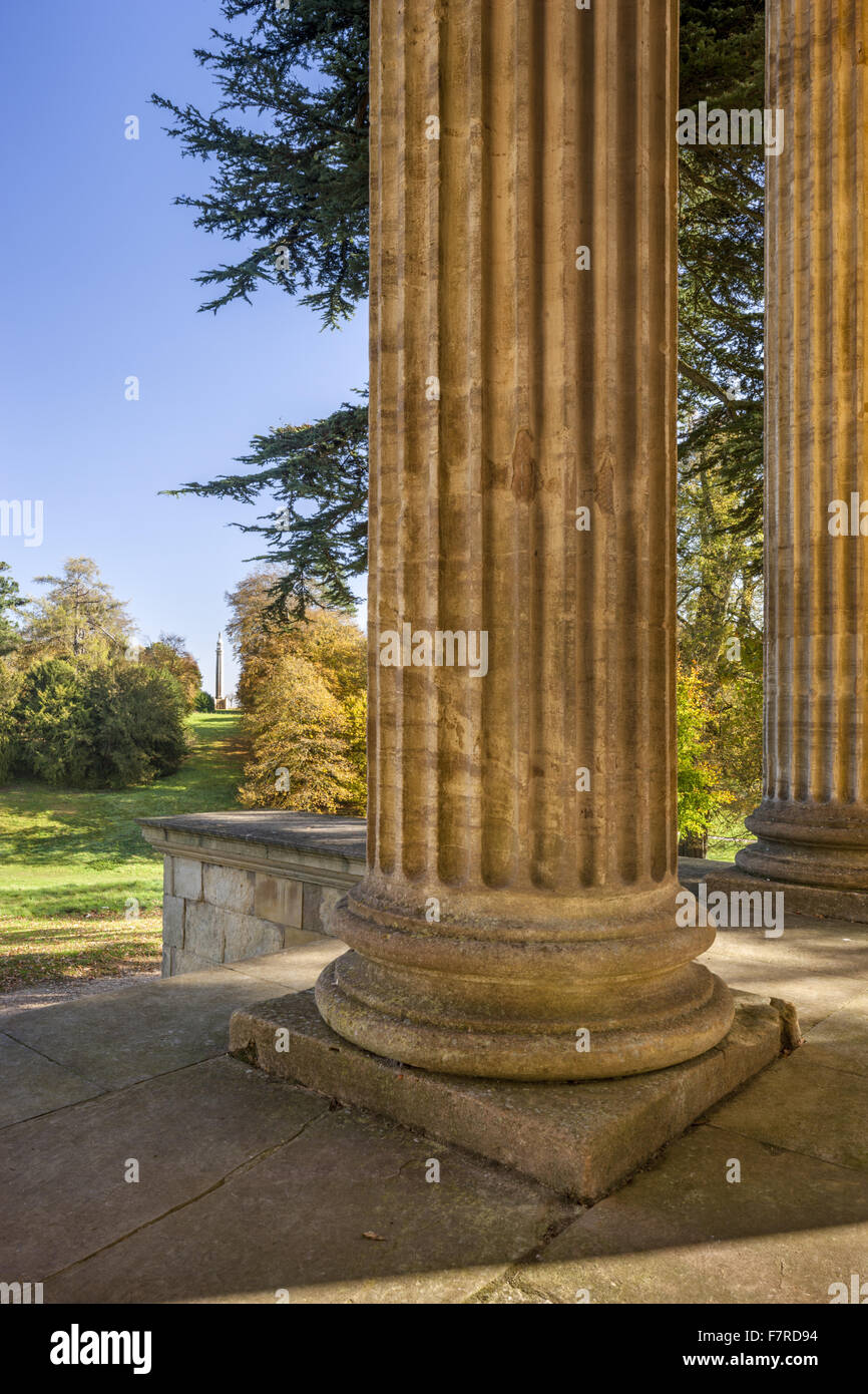 The Cobham Memorial seen from the Temple of Concord and Victory at Stowe, Buckinghamshire. Stowe is an 18th century - Stock Image