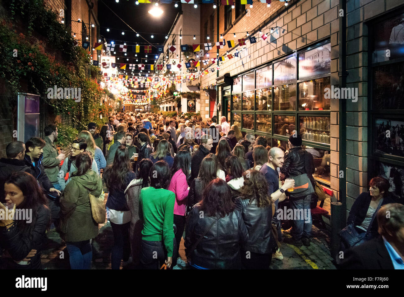 Belfast Culture Night crowds pubs bars duke york northern ireland - Stock Image