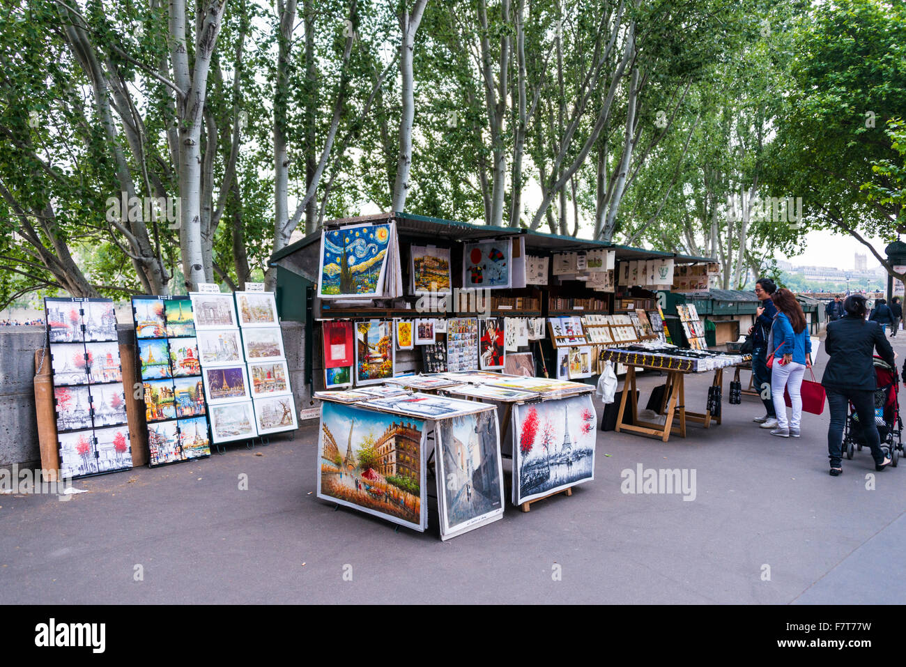 Stalls, booksellers along the Seine, cultural mile, Paris, Ile-de-France, France - Stock Image
