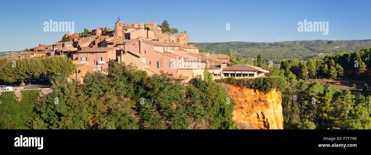 Roussillon, Provence, Provence-Alpes-Cote d'Azur, Southern France, France - Stock Image