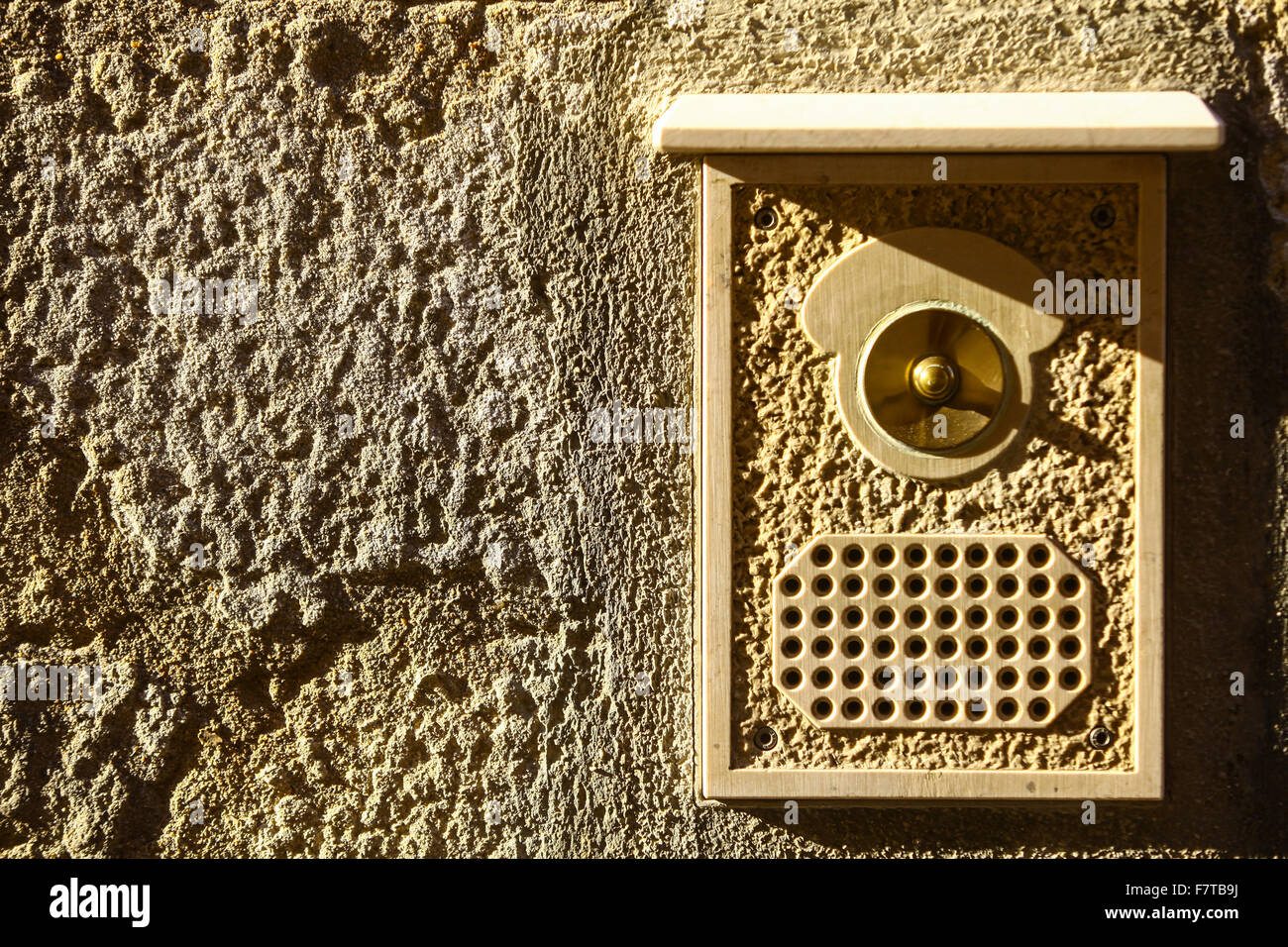 Color image of a vintage door bell. - Stock Image & Brass Door Ringer Stock Photos \u0026 Brass Door Ringer Stock Images - Alamy