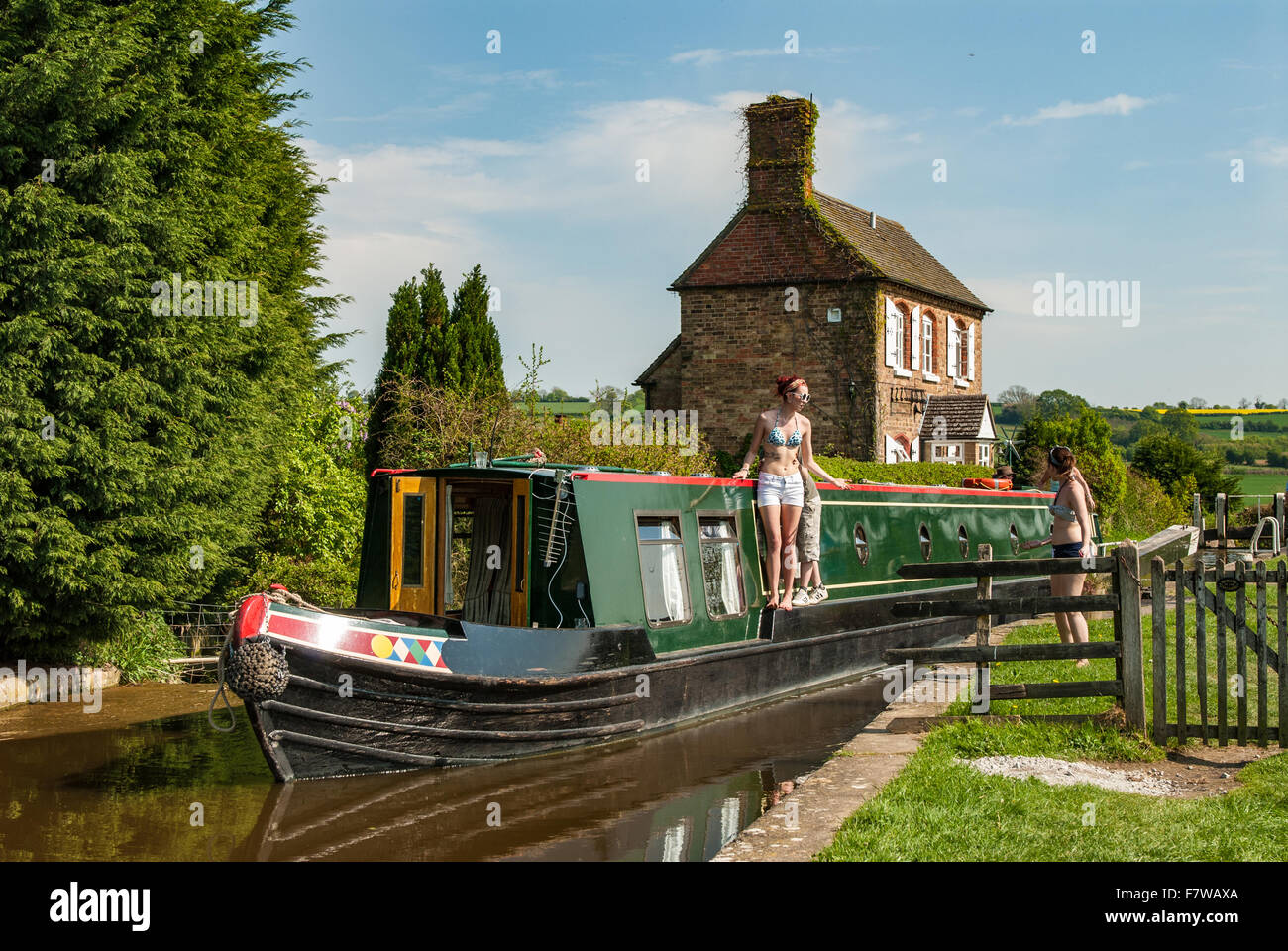 Narrowboat transiting Somerton deep lock on the Oxford Canal, England.UK. - Stock Image