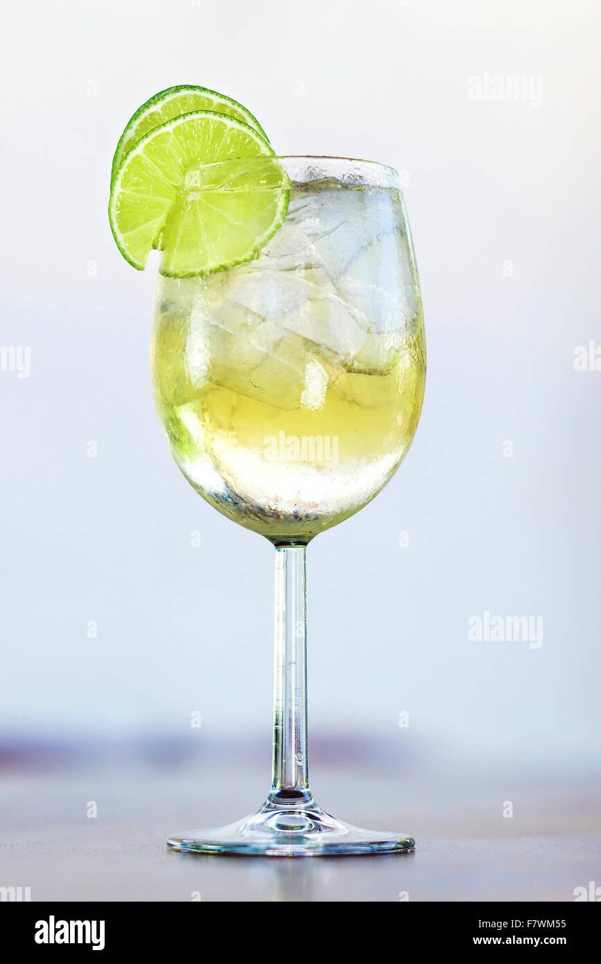 How to drink Martini Bianko