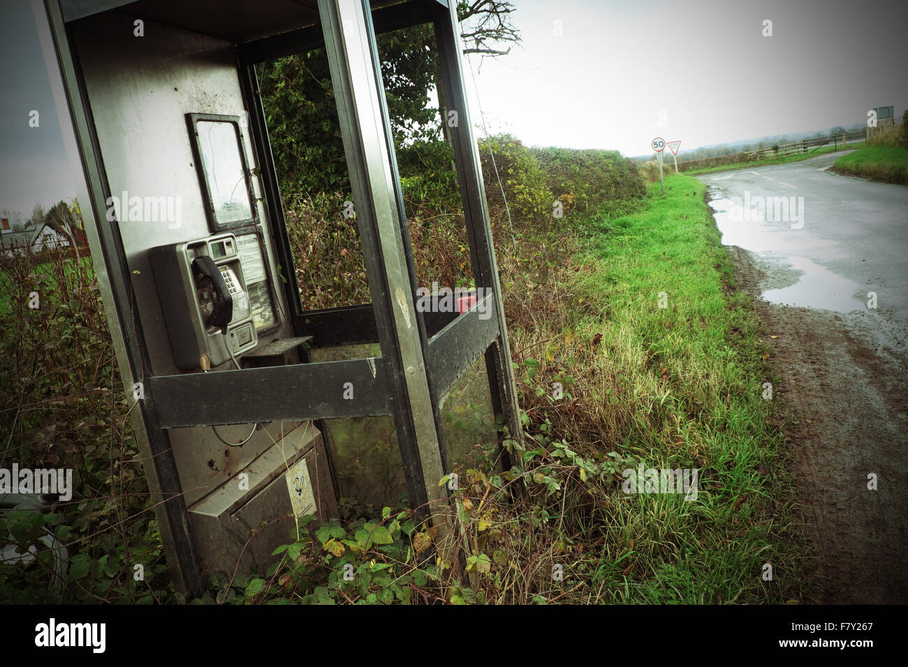 BT public phonebox phone box call box rural remote and neglected Herefordshire - Stock Image