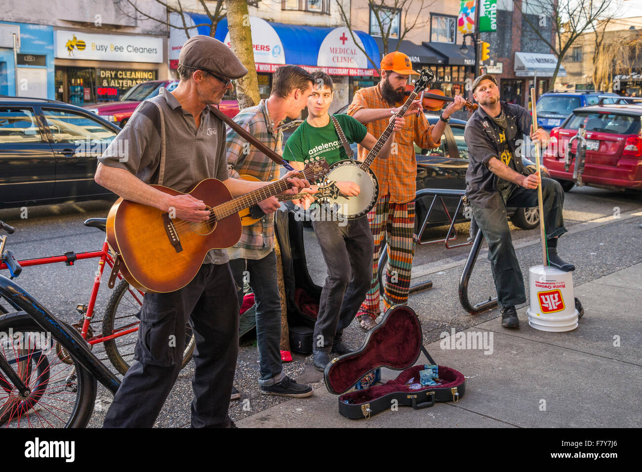 Buskers, Commercial Drive, Vancouver, British Columbia, Canada. - Stock Image