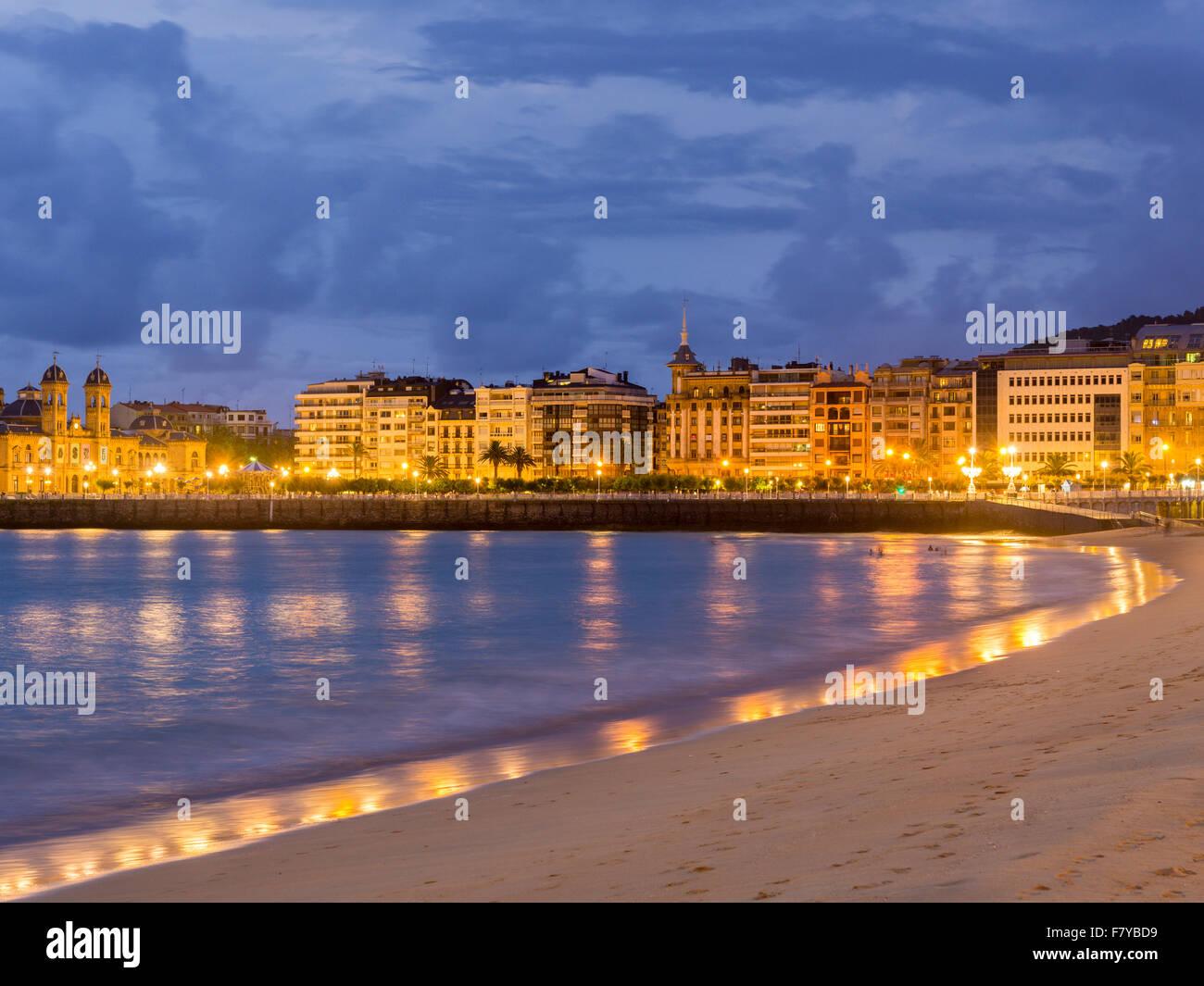 Beach in the evening, San Sebastian or Donostia, Basque Country, Spain - Stock Image