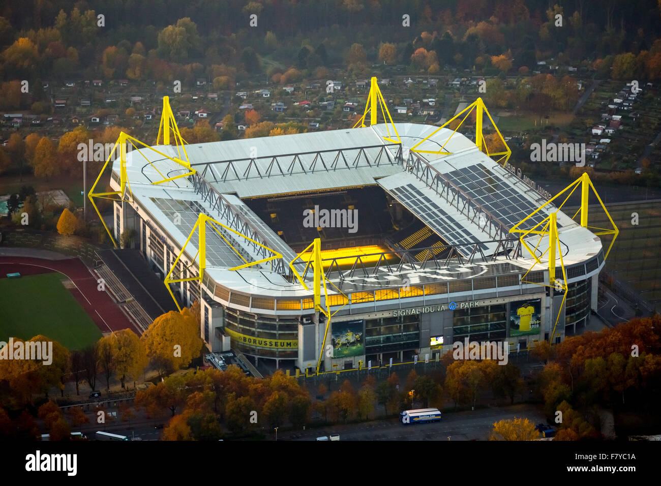 signal iduna park westfalenstadion bundesliga stadium of the stock photo 90956582 alamy. Black Bedroom Furniture Sets. Home Design Ideas
