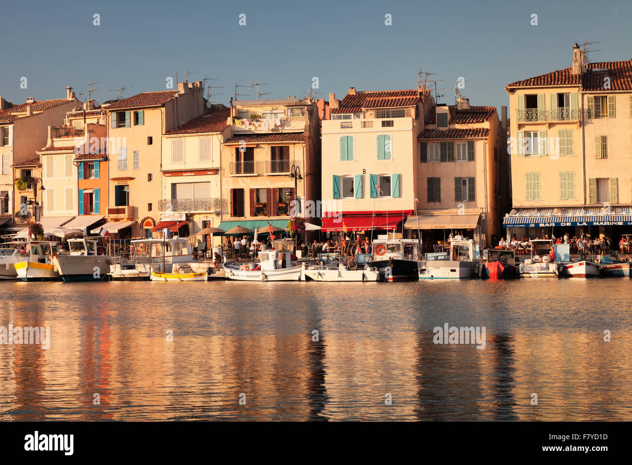 Harbour promenade, Cassis, Provence, Provence-Alpes-Cote d'Azur, Southern France, France - Stock Image