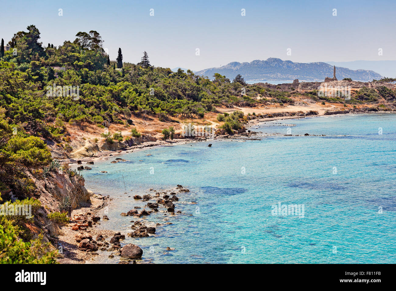 The Temple of Apollo (6th cent. B.C.) at the top of the hill of Kolona in Aegina island, Greece - Stock Image