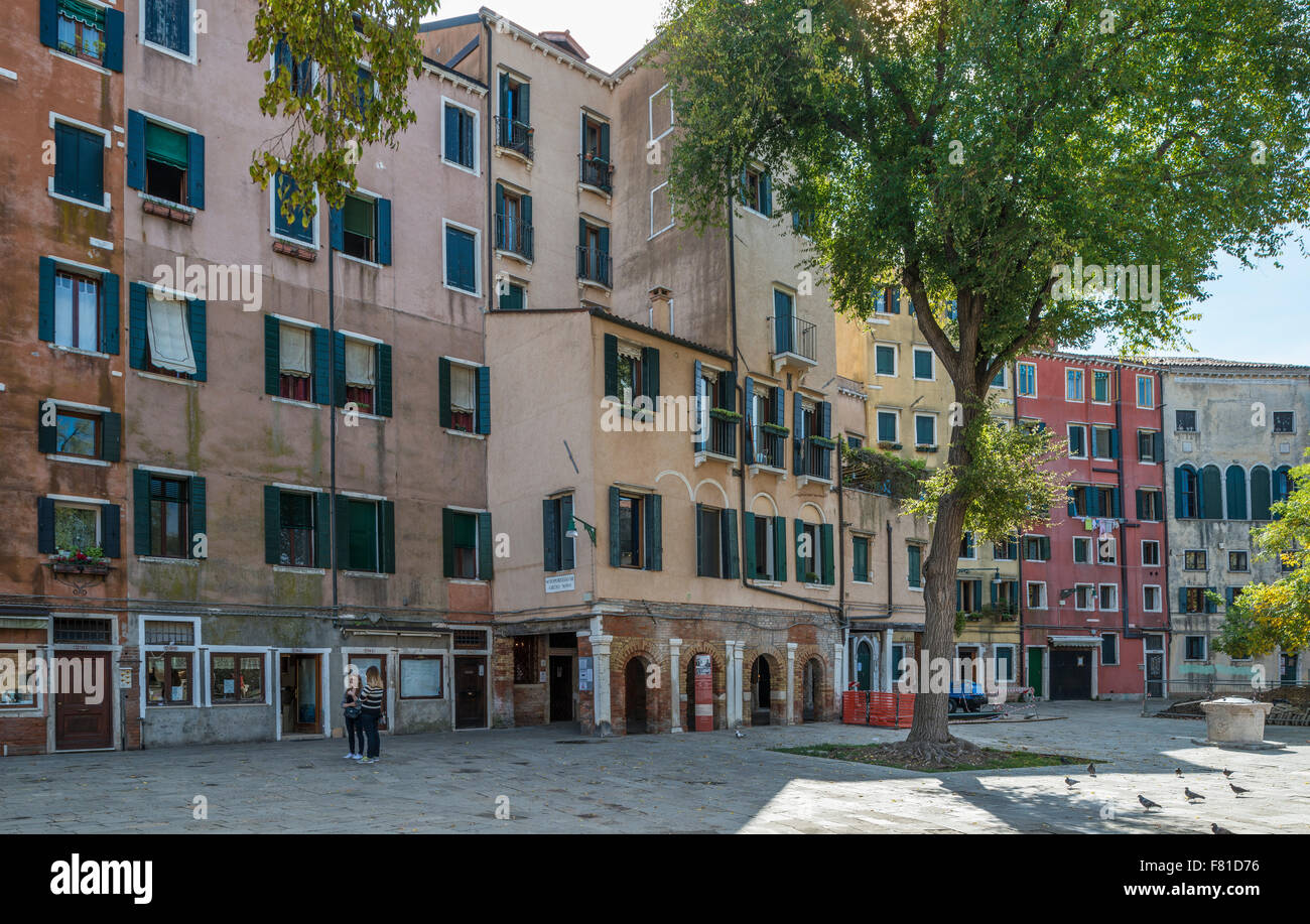 Campo Ghetto Nuovo, tall houses, due to lack of space, Jewish ghetto from the 16th century, Cannaregio, Venice, - Stock Image