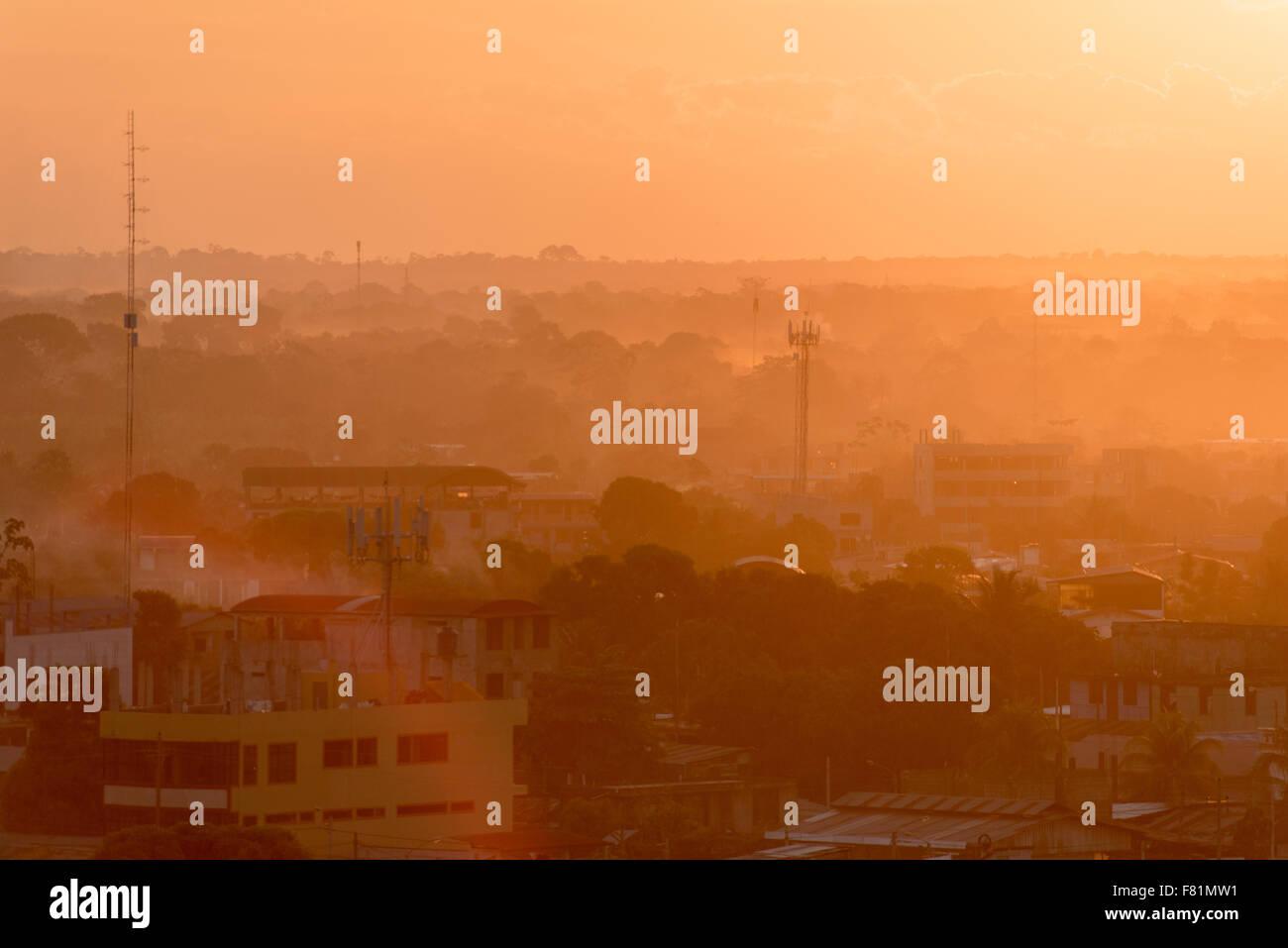 smoke haze from El Niño associated fires in Amazonia 2015, Puerto Maldonado, Madre de Dios, Peru - Stock Image