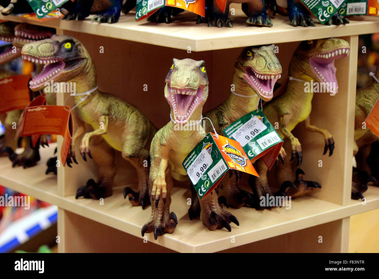 Saurus stock photos saurus stock images alamy tyrannus saurus rex das neue einkaufszentrum mall of berlin am leipziger platz thecheapjerseys