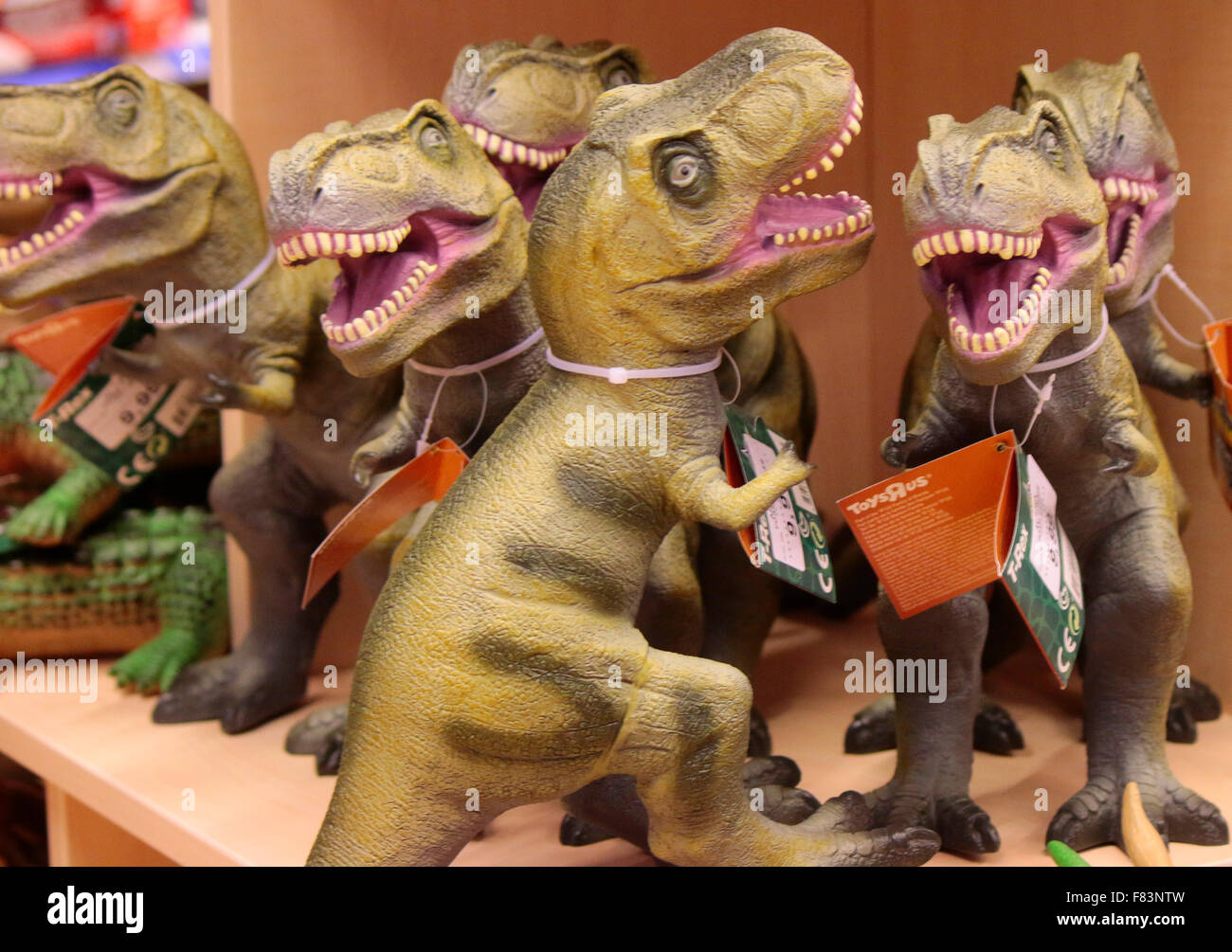 Saurus stock photos saurus stock images alamy tyrannus saurus rex das neue einkaufszentrum mall of berlin am leipziger platz thecheapjerseys Image collections