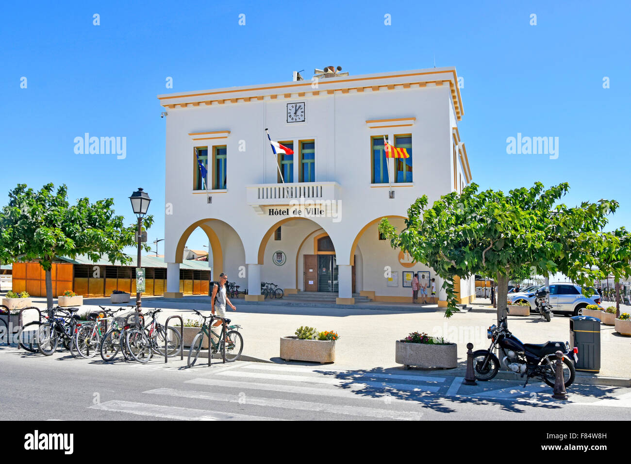 Hotel de Ville town hall in French Mediterranean seaside resort town of Saintes Maries de la Mer  Camargue, Bouches - Stock Image