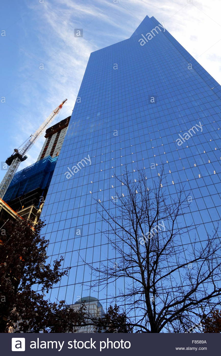Reflection on the exterior wall of 4 World Trade Center - Stock Image
