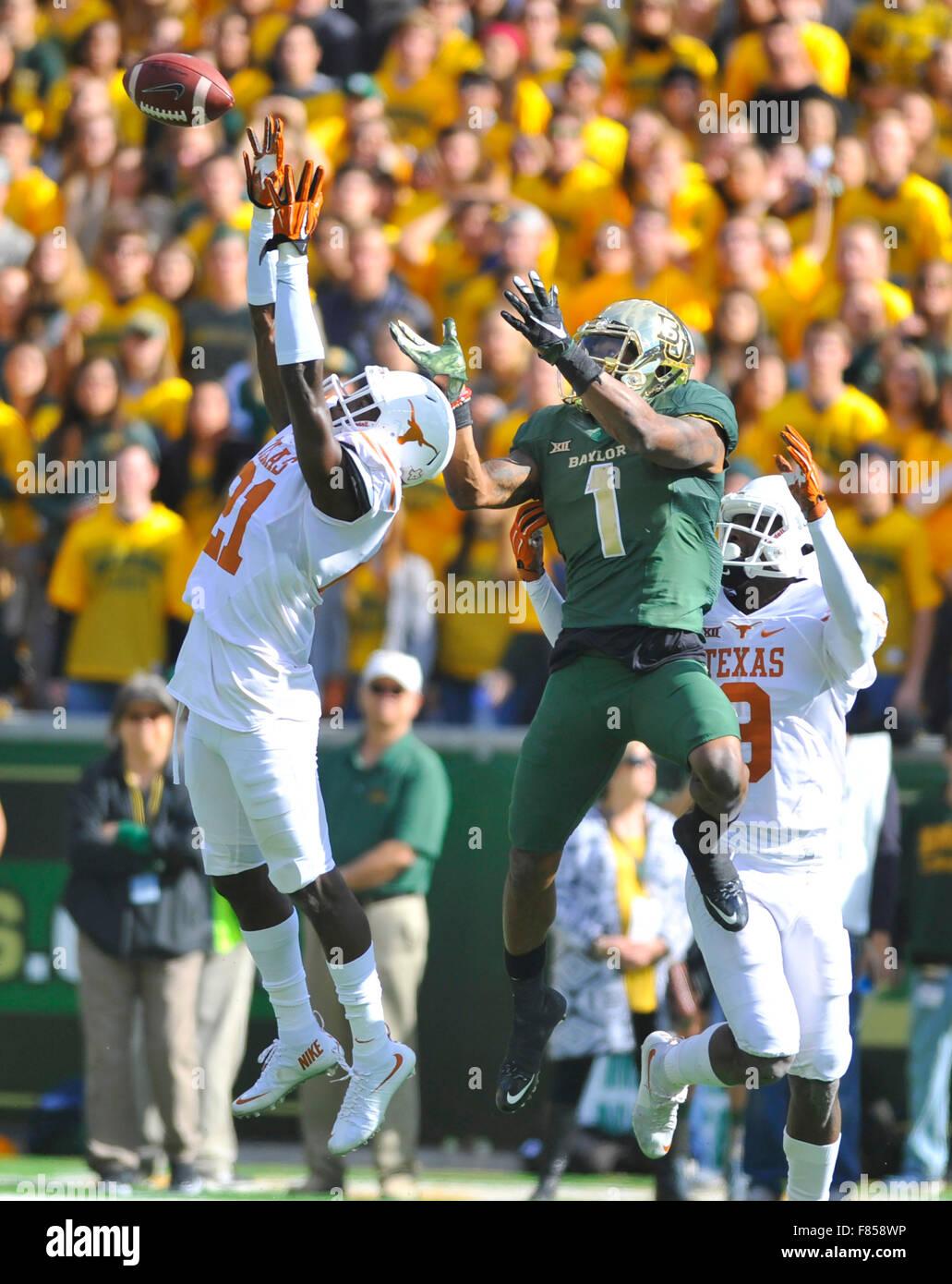 Waco, Texas, USA. 05th Dec, 2015. Texas cornerback Duke Thomas (21) intercepts a pass intended for Baylor receiver Stock Photo