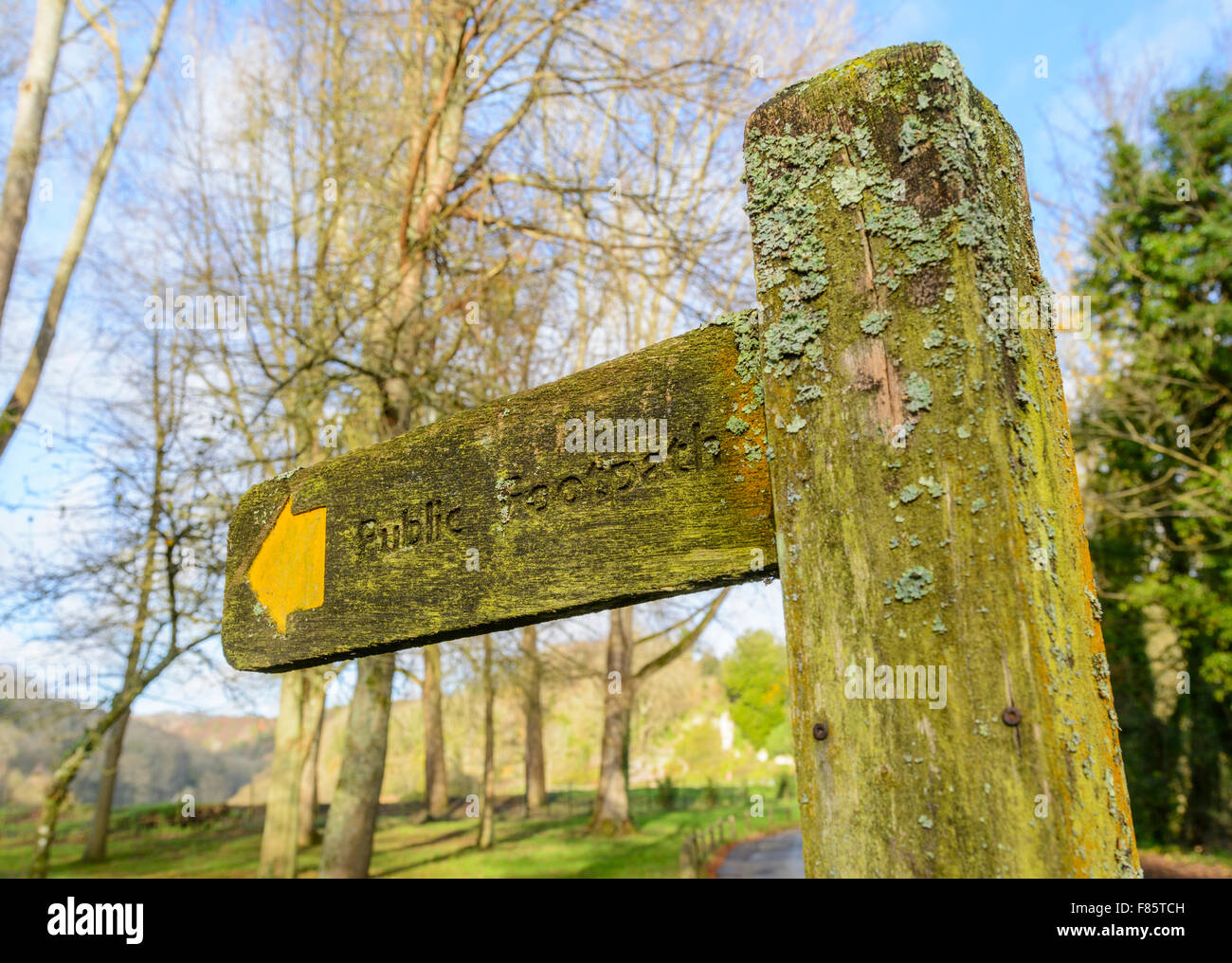 Public footpath finger post in winter in the UK. - Stock Image