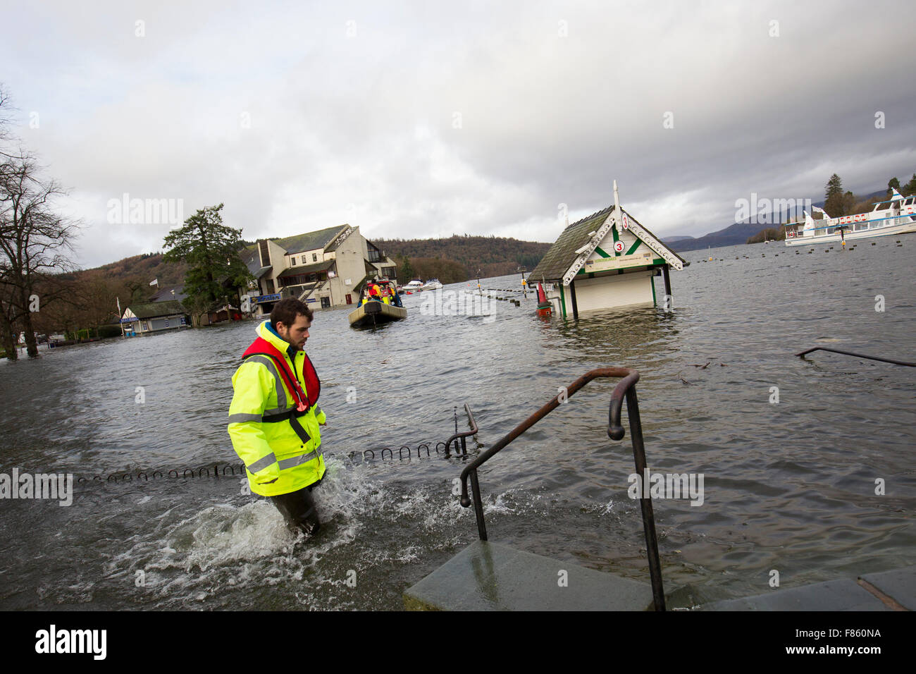cumbria flood bride battles - HD1300×956