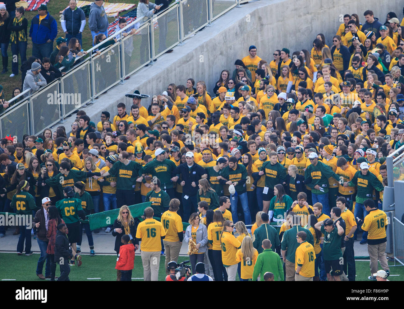 Waco, Texas, USA. 5th Dec, 2015. Baylor Bears Line prepares for run onto the field during the NCAA football game between Texas vs Baylor at McLane Stadium in Waco, Texas. © csm/Alamy Live News Stock Photo