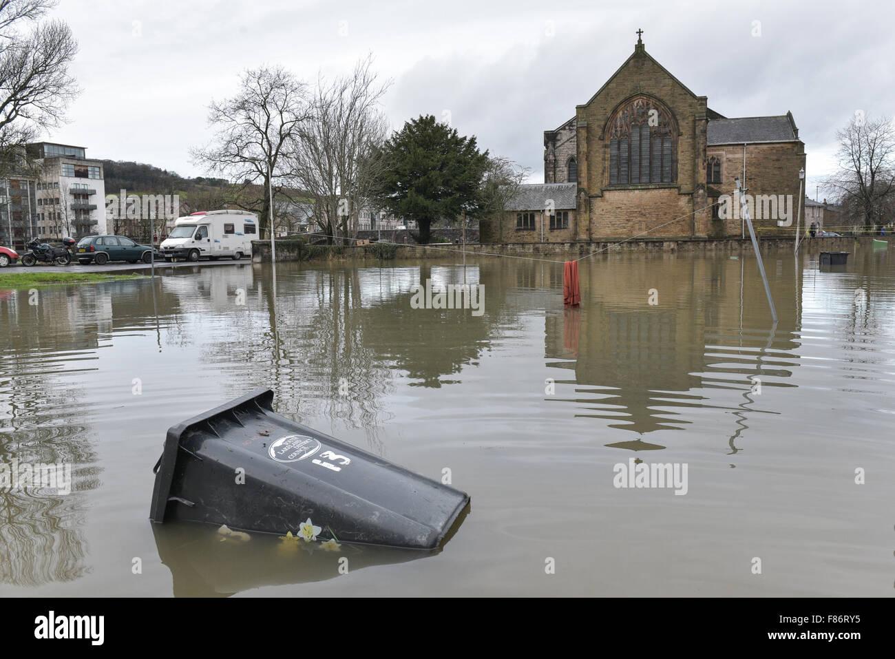 cumbria flood bride battles - HD1300×958
