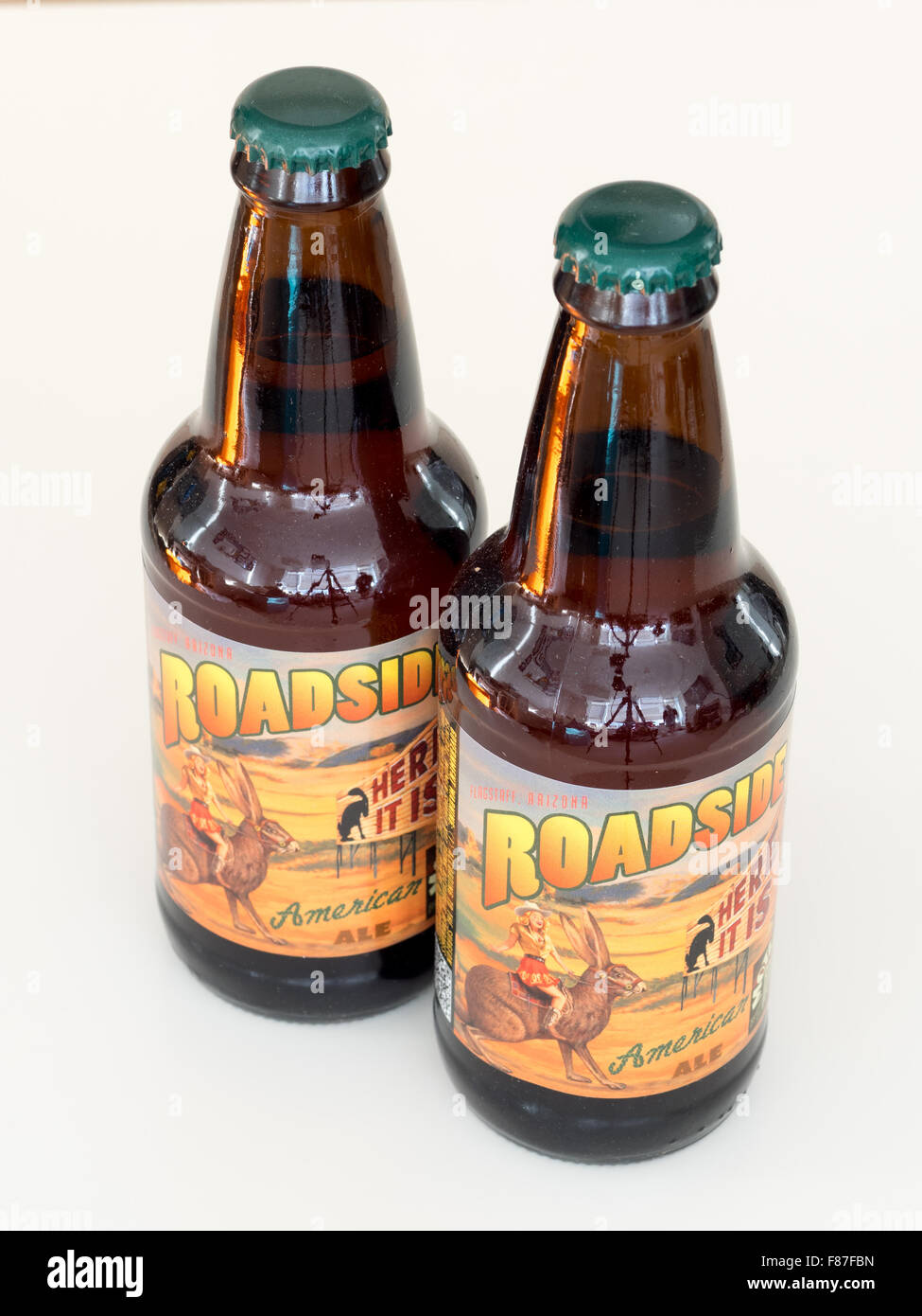 A bottle of Roadside American Ale, produced by the Mother Road Brewing Company of Flagstaff, Arizona. - Stock Image