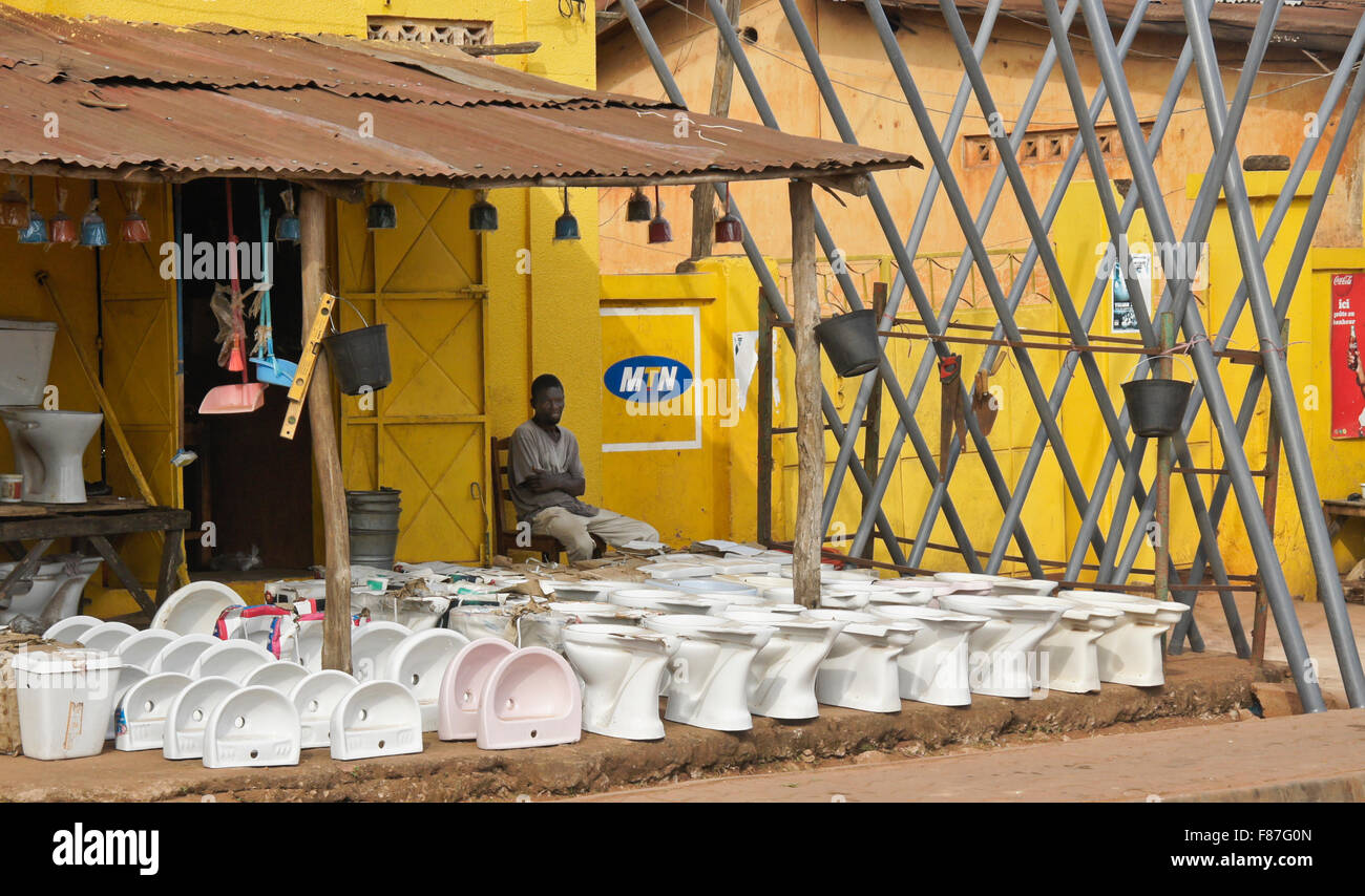 Toilets and sinks for sale on the street, Abomey, Benin - Stock Image
