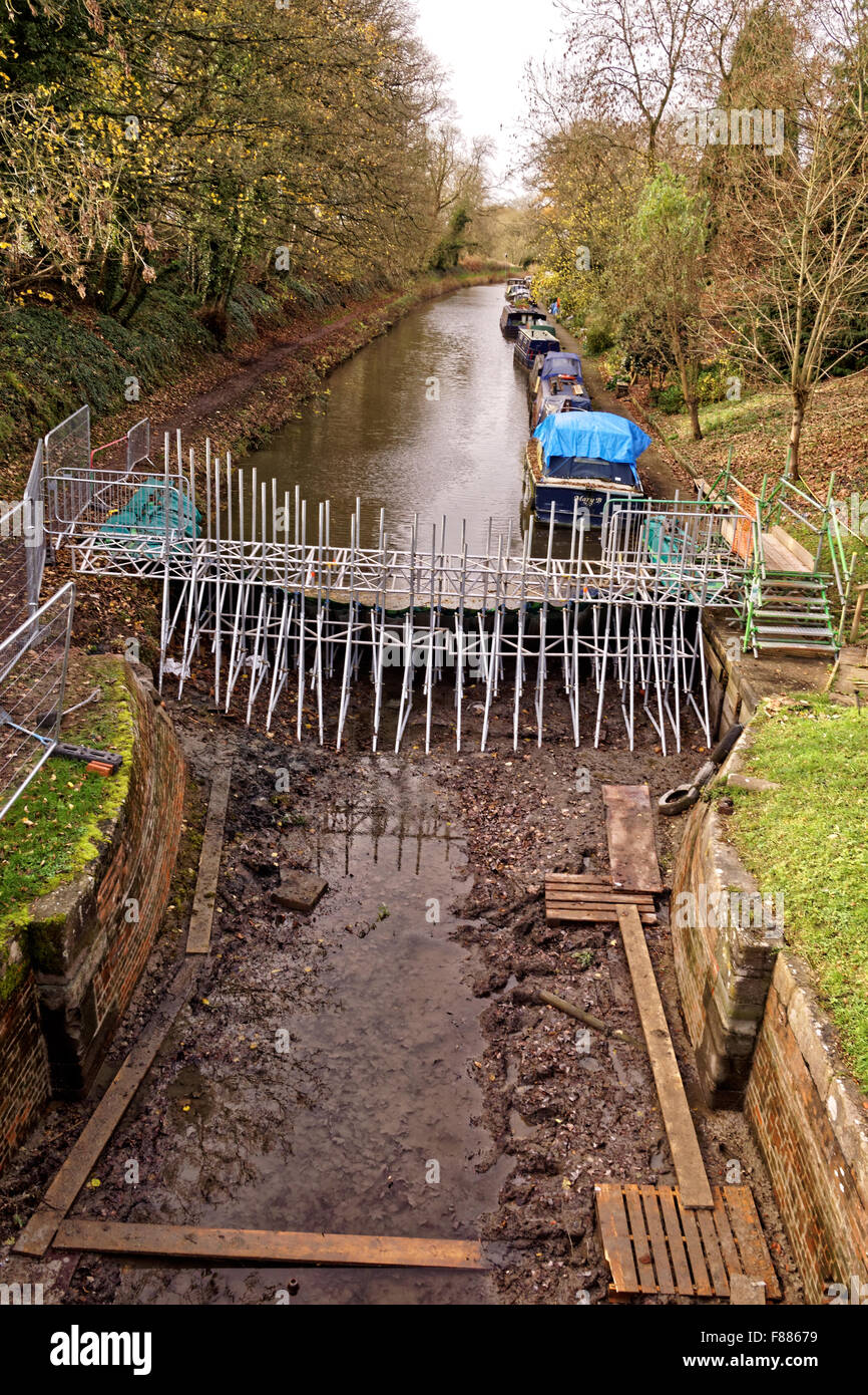 repair work on Kennett and Avon Canal - Stock Image