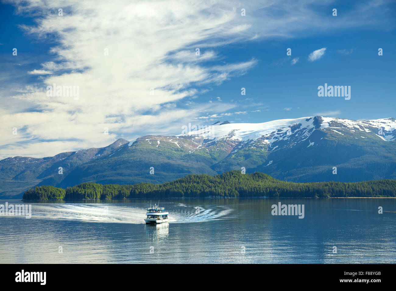 Boat in Tracy Arm Fjord Alaska - Stock Image
