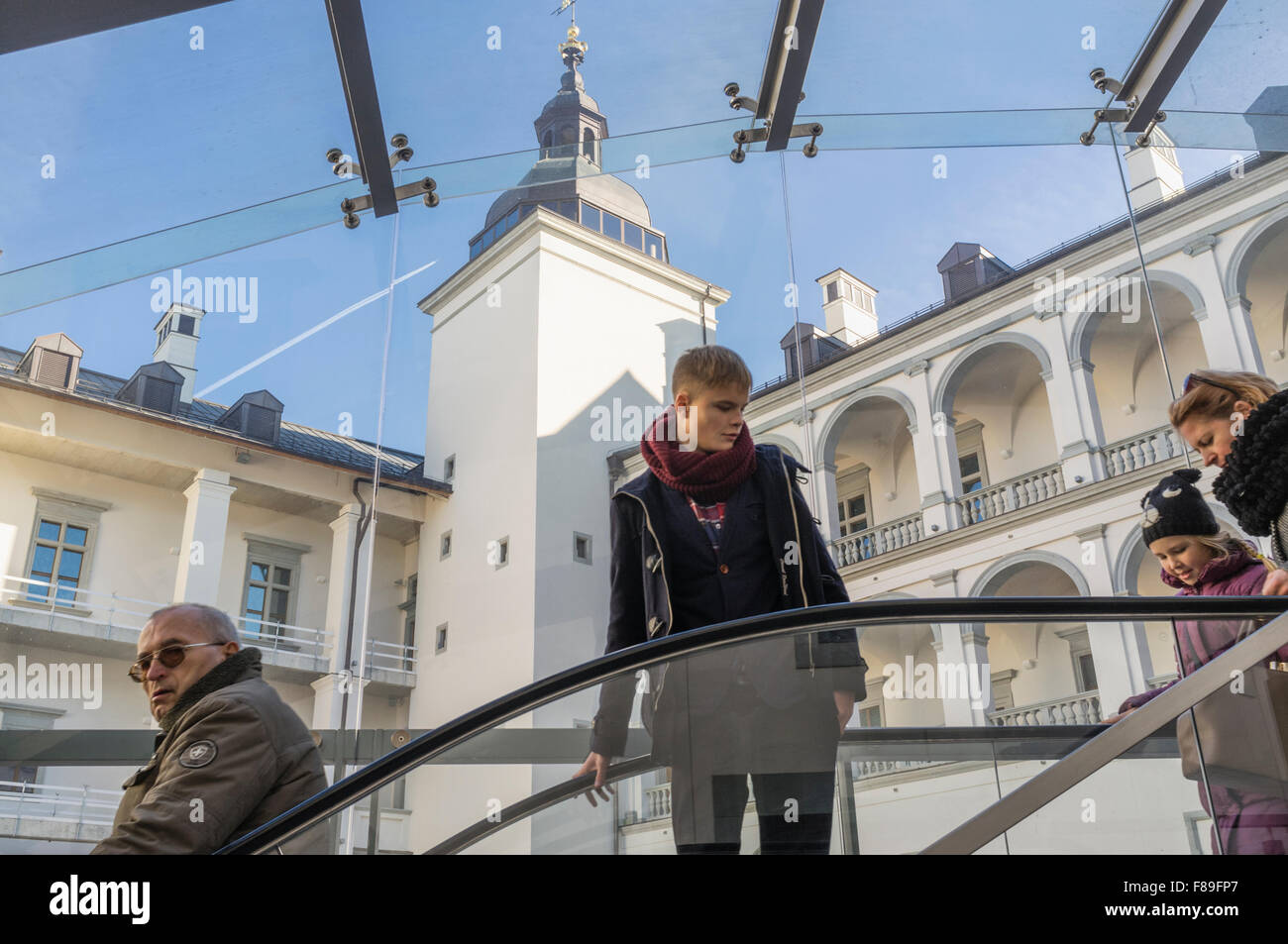 Visitors at the courtyard of the Grand Dukes palace in Vilnius, Lithuania, Europe - Stock Image