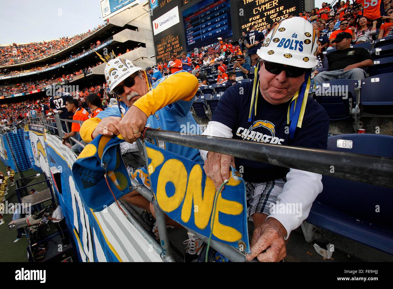 San Diego, CA, USA. 6th Dec, 2015. SAN DIEGO_The San Diego Chargers took on the Denver Broncos in their next-to - Stock Image