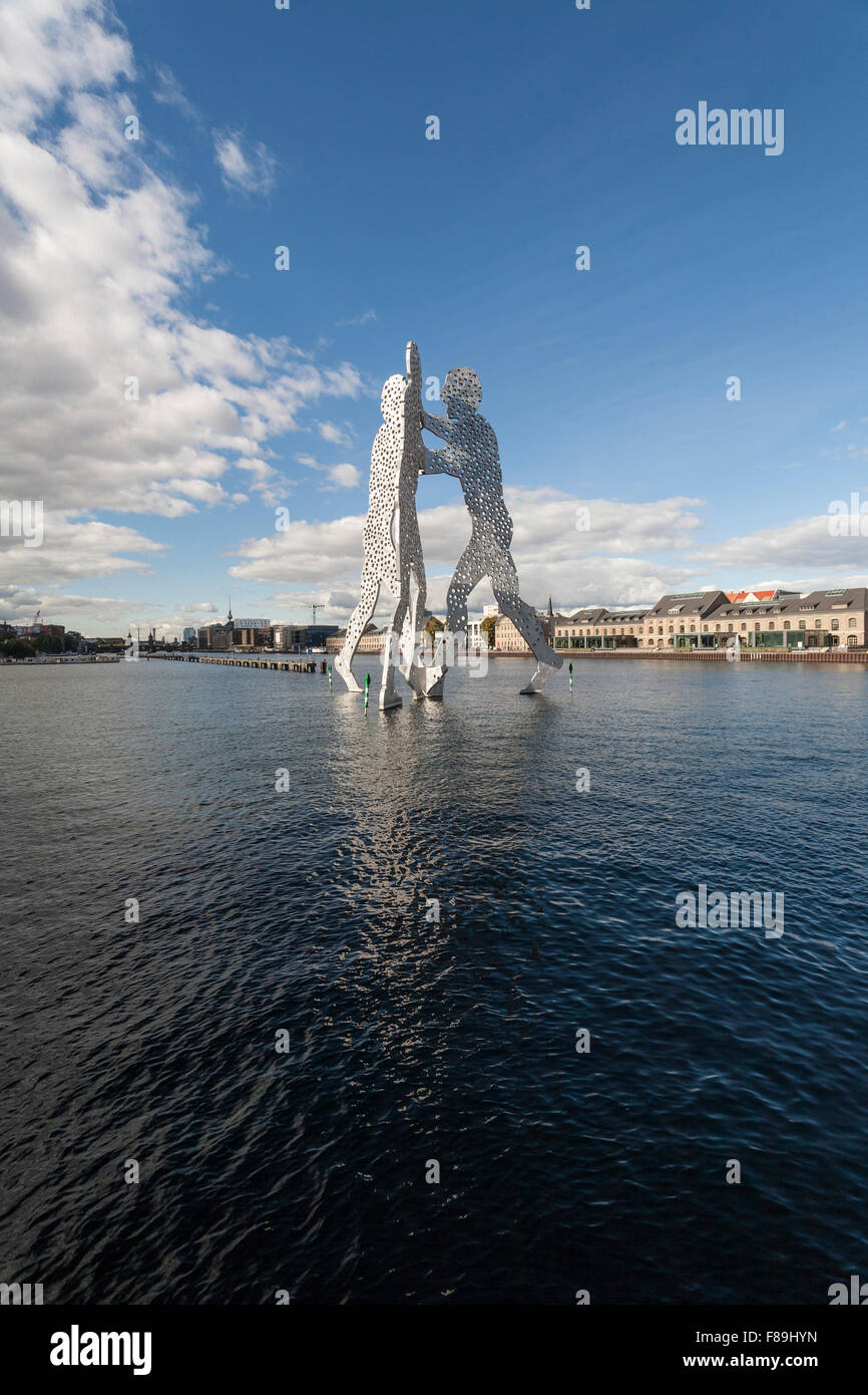 Molecule Man, sculpture in the River Spree, Berlin, Germany - Stock Image